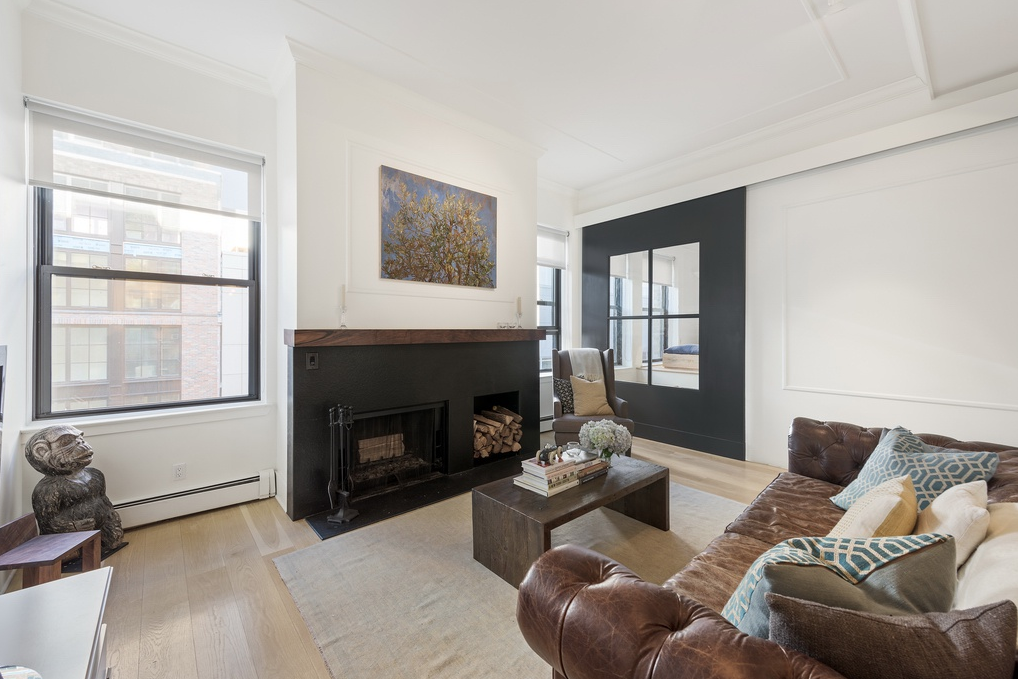 529 WEST 42ND STREET, 6F - $995,000 // 1 Bed // 1 Bath // 1,050 SQFTA stunning bright jewel box! This architect designed, spacious loft was meticulously renovated into a modern gem. The apartment is lofty with a pre-war sensibility that include details such as wainscoting, baseboard and crown moldings, and finished ceilings.