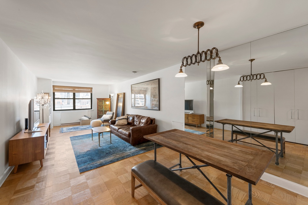 200 EAST 24TH STREET, 1809A - $679,000 // 7 Beds // 4.5 Baths // 3,800 SQFTA gut-renovated co-op graced with chic finishes and picturesque city views, this 1-bedroom, 1-bathroom home is a paradigm of contemporary city charm. Features of this 850 sq. ft. apartment include classic parquet floors, northern, southern, and eastern exposure, an extra-long living and dining space, and a quartet of large closets.