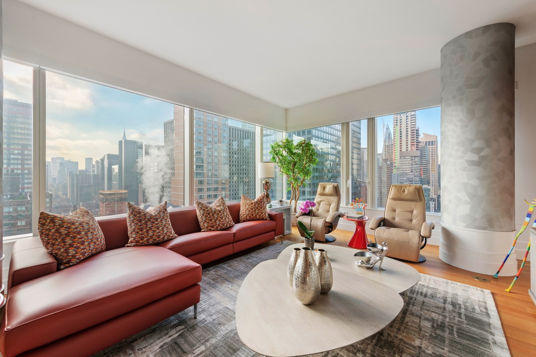 252 EAST 57TH STREET, 36D - $4,495,000 // 3 Beds // 3 Baths // 1,932 SQFTThis is a rare opportunity to purchase the only 3 bedroom 3 bath apartment available at the spectacular sold out new luxury glass condo tower, 252 East 57th Street, designed by Skidmore, Owings & Merrill located on the world famous 57th Street corridor. As the building's first 3 bedroom resale, this new beautiful spacious 1,932 square foot home perched on the 36th floor features floor to ceiling glass windows with dramatic panoramic skyline views, pristine high-end finishes, and extraordinary building amenities.