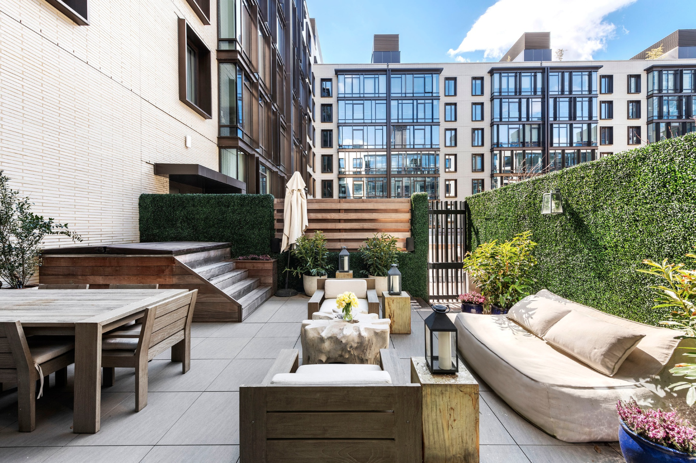429 KENT AVENUE, TH17 - $3,500,000 // 4 Beds // 3.5 Baths // 3,115 SQFTA stunning South Williamsburg townhouse with access to white-glove condo amenities, this convertible 4-bedroom, 3.5-bathroom home is an exemplar of contemporary Brooklyn luxury. The house is 24 feet wide and has 3,115 sq. ft. of interior space, and it has been upgraded with a curated selection of custom fixtures, finishes, and technology.