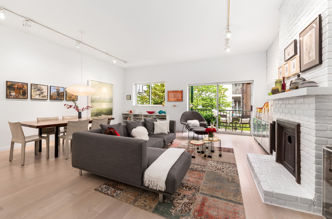 347 WEST 22ND STREET, 5/6 - $3,295,000 // 4 Beds // 3 BathsThis rare 4 bedroom 3 bath recently renovated home was beautifully designed combining two apartments into one while perfectly blending stunning prewar details and charm with a beautiful modern light and airy aesthetic.
