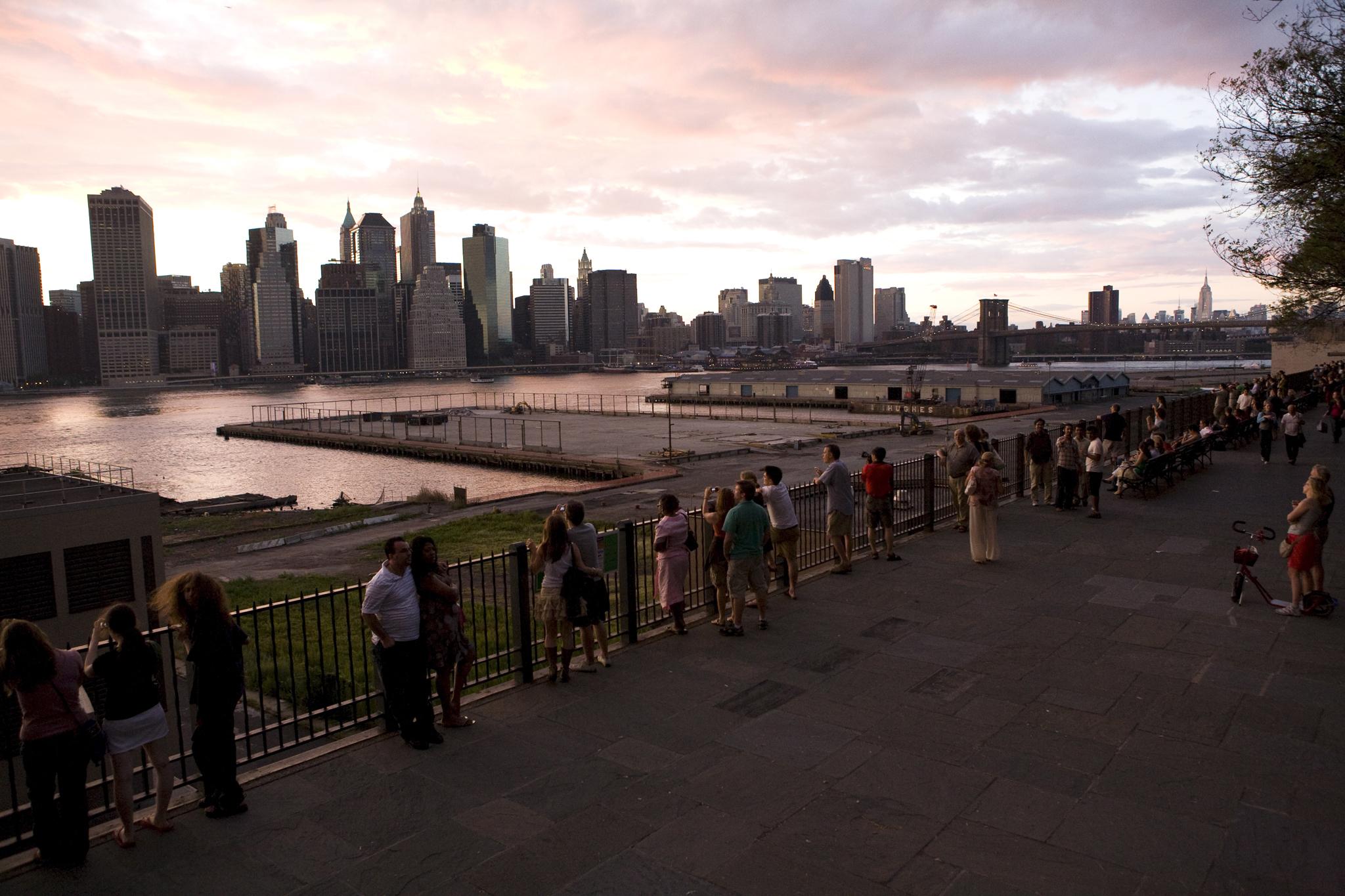 "DO - ""Walk the Brooklyn Heights Promenade"""