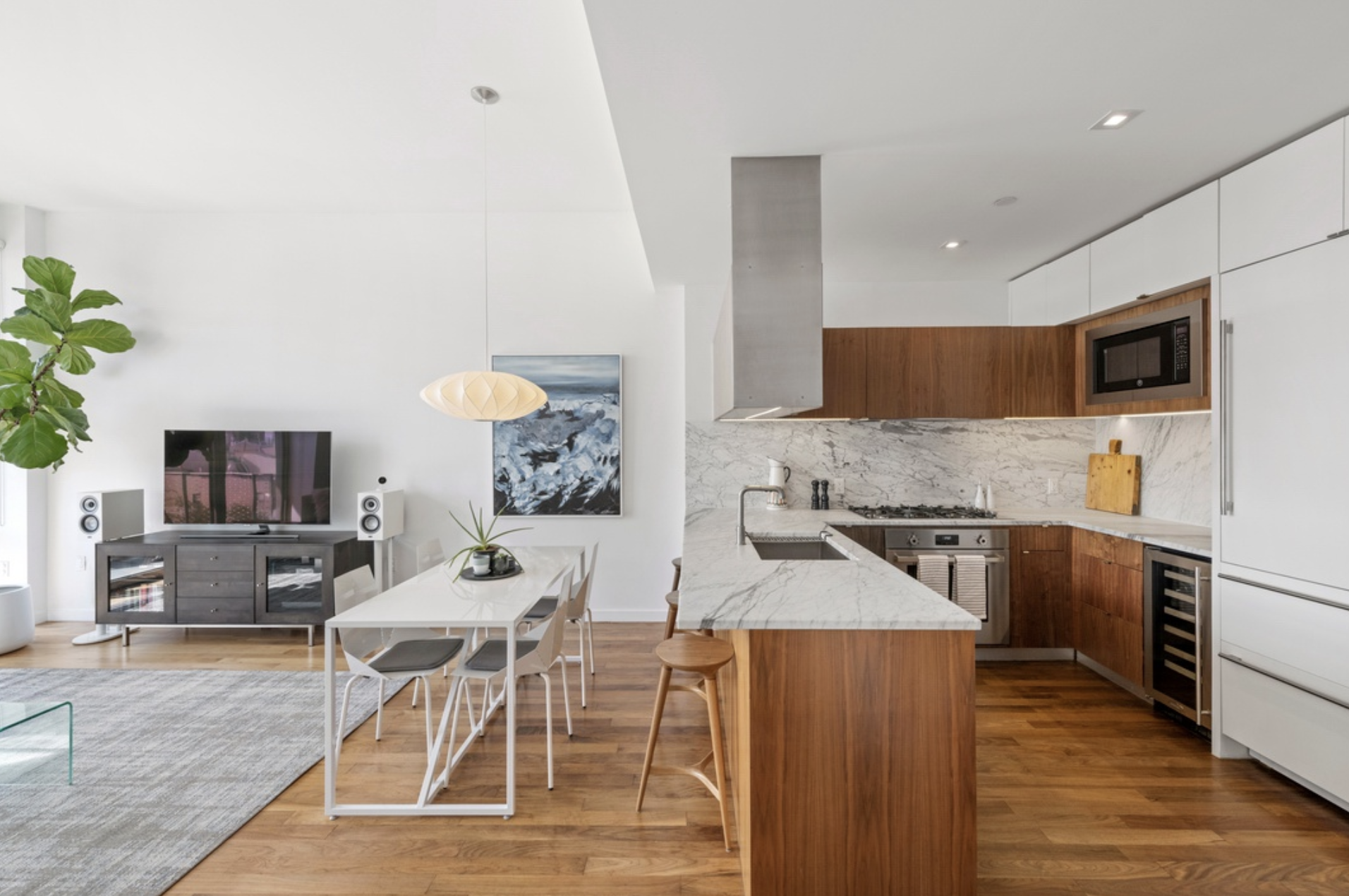 280 Metropolitan Ave, 5D - $2,195,000 // 3 Beds // 3 Baths // 1,388 Sq FtThis immaculately maintained, 2017 new construction presents a unique balance of designer apartment and the privacy of a premier, amenitized 28-residence condominium all in in a highly sought after central Williamsburg location. Completing this dream home are a private rooftop terrace with bridge and city views, private indoor parking space, and a private storage unit all included!