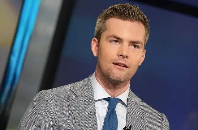 """""""Ryan Serhant's Net Worth 2019: 5 Fast Facts You Need to Know"""" - - HEAVY"""