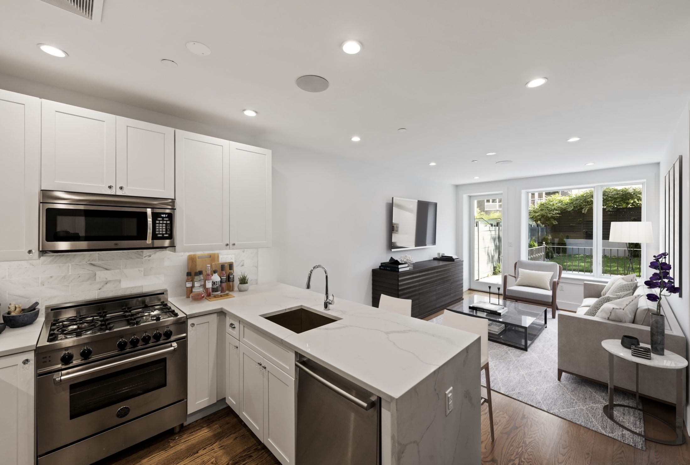 366 GATES AVENUE, 1B - $1,099,000 // 2 Beds // 2 Baths // 1,174 SQFTAn oversized duplex condo situated in a prime area of Bedford-Stuyvesant. The unit offers a luxurious blend of elegant finishes and natural light. Features include gorgeous white oak hardwood floors, central heating and cooling, a video intercom system, airy ceilings, and fully integrated surround-sound speakers.