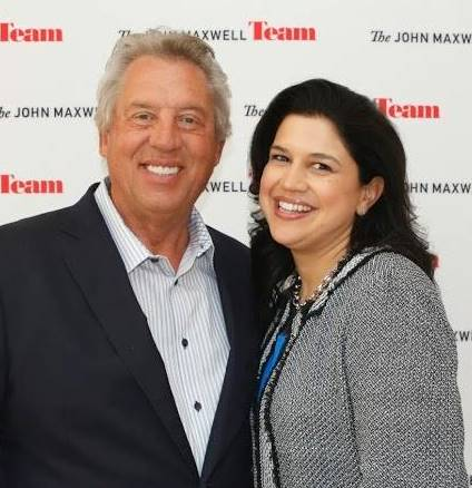 Lilly-Cortes-Pona-With-Dr.-John-C.-Maxwell-2.jpg