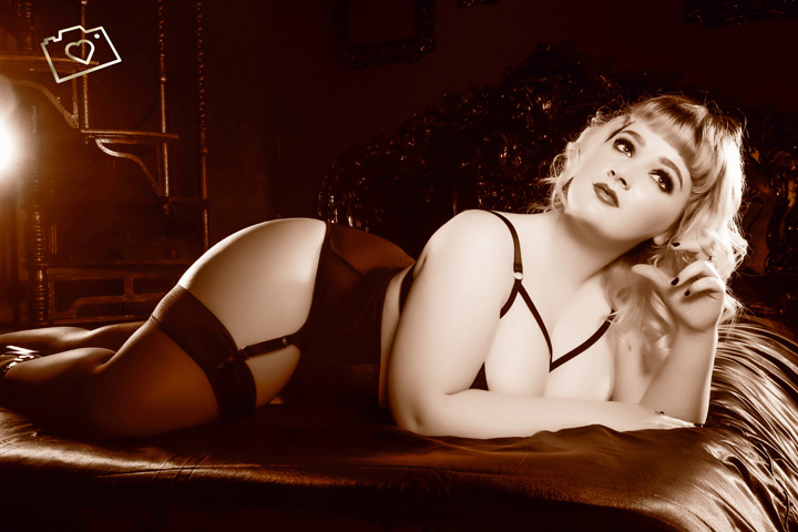 Curves Photography Studios - Boudoir Photographer Manchester - Cheshire - Photo Studio_392.jpg