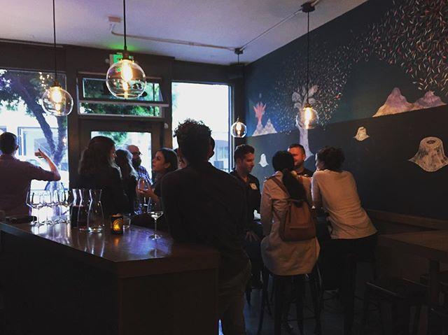 Join the party at your favorite wine bar!! • • • • #tenderSF #winetasting #wine #cheers🍷#chinchin #salut #winelovers #winebar #fridaynight #sanfrancisco #westcoast #bayarea