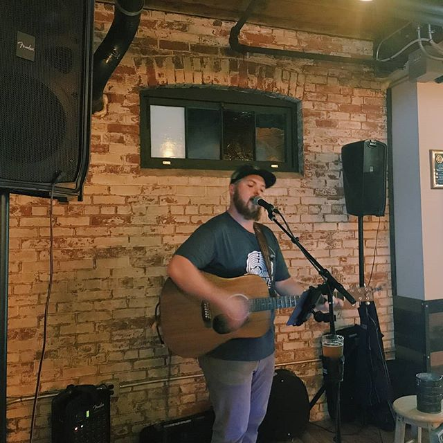 Had an amazing time playing at @labyrinthbrewing this past week for @foodsharect fundraiser!