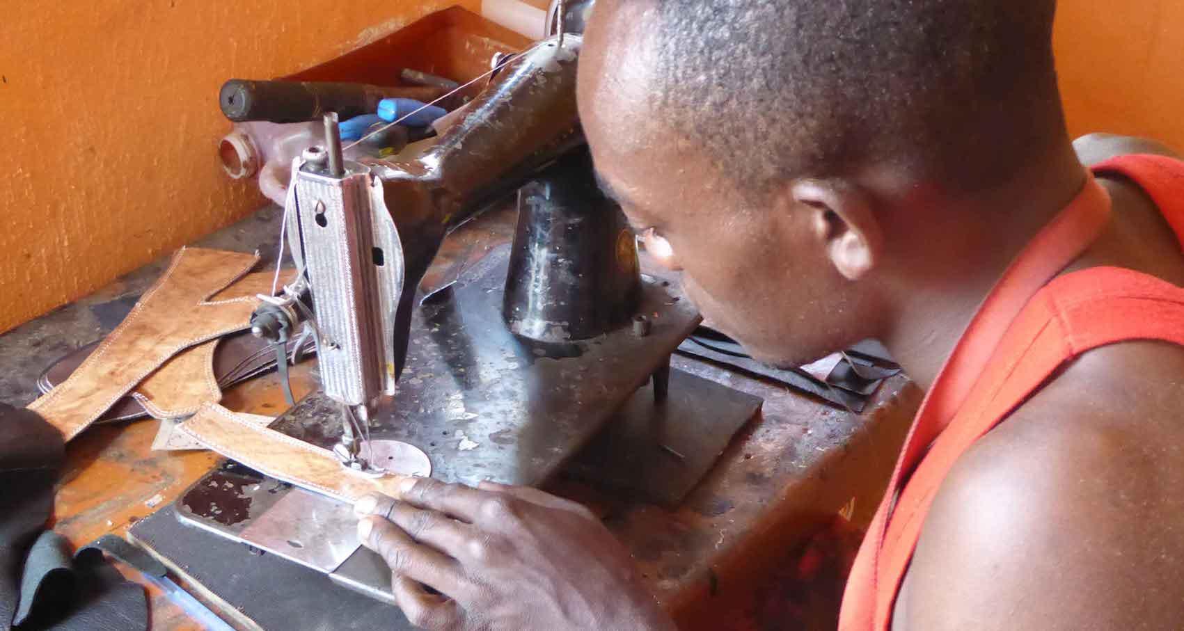 15x8-Kivu-Leather-thumbnail.jpg