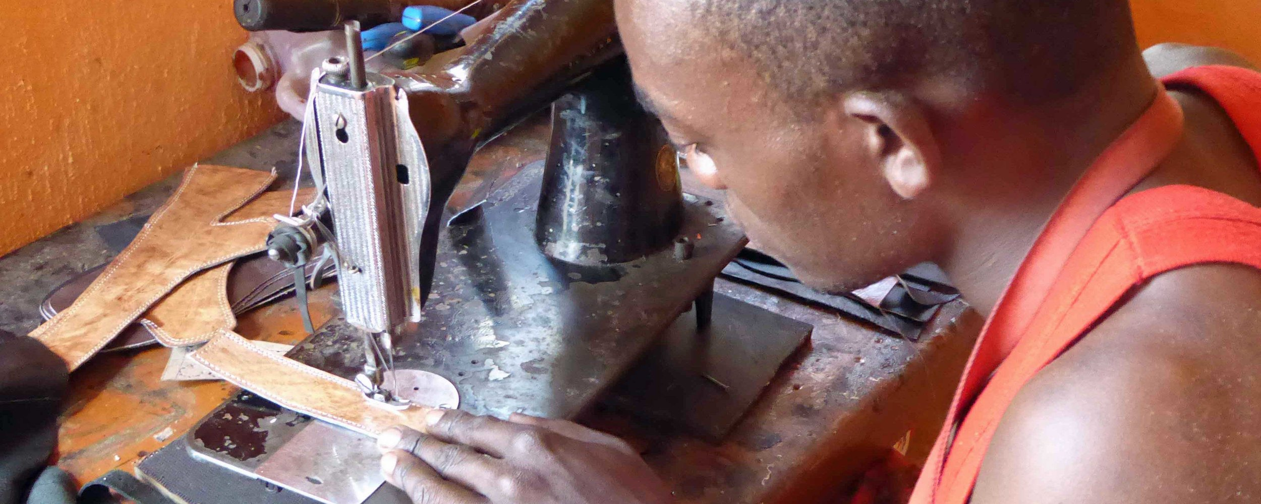 15x6-Kivu-Leather-header.jpg