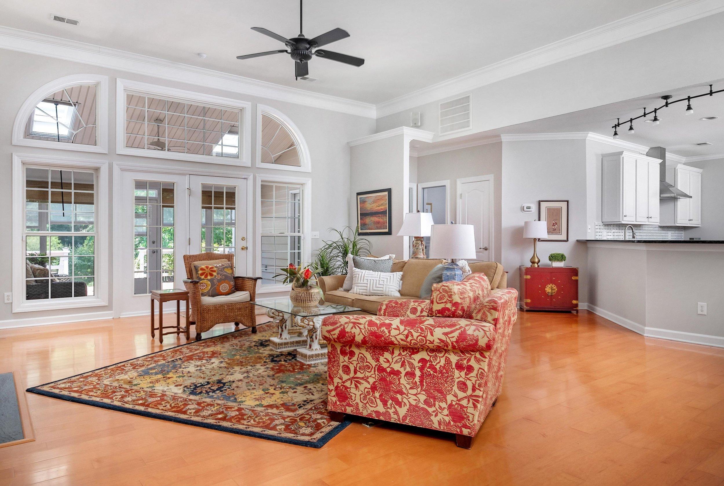 2. Living Room.jpg