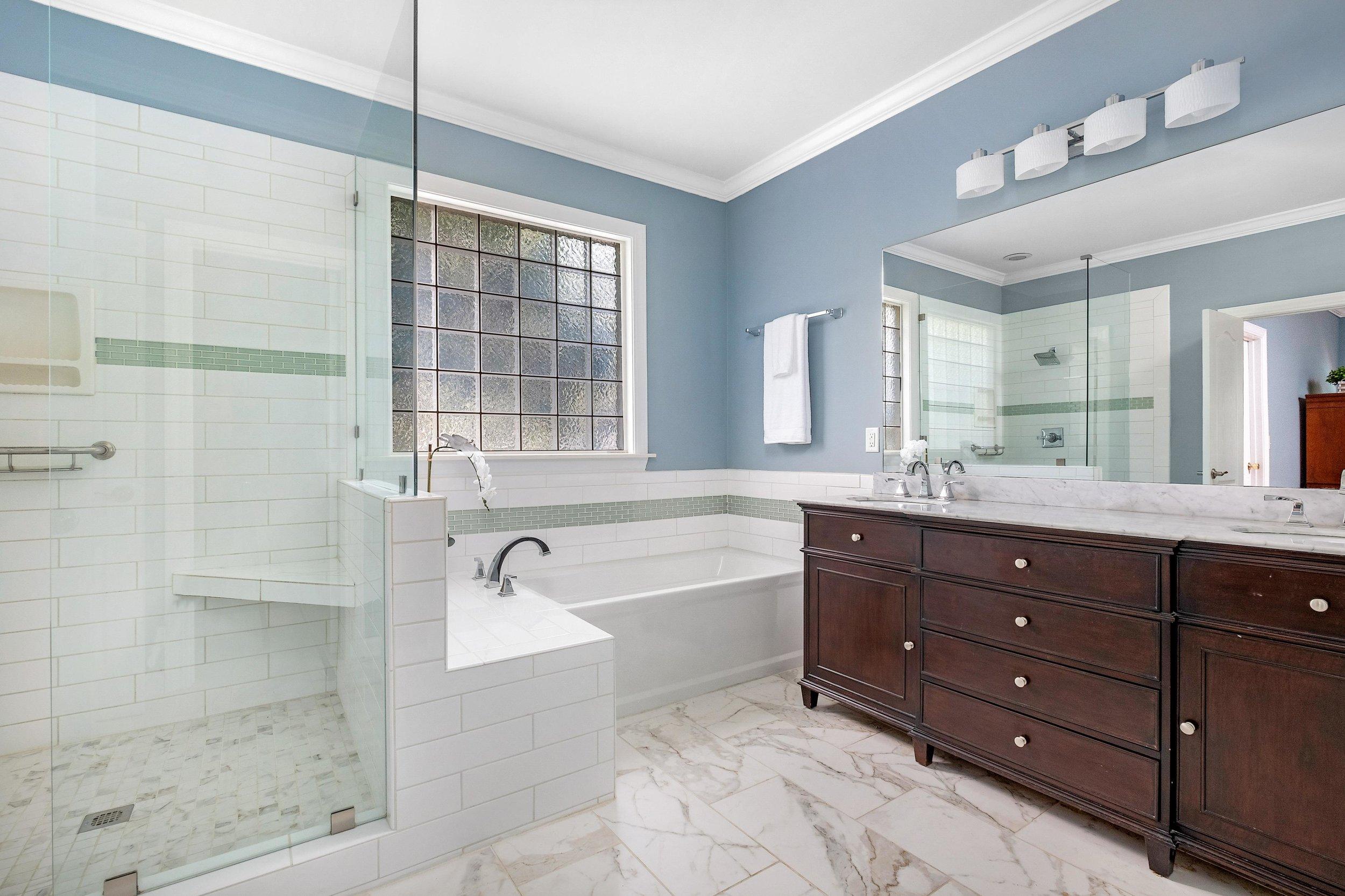 8. Master Bath.jpg