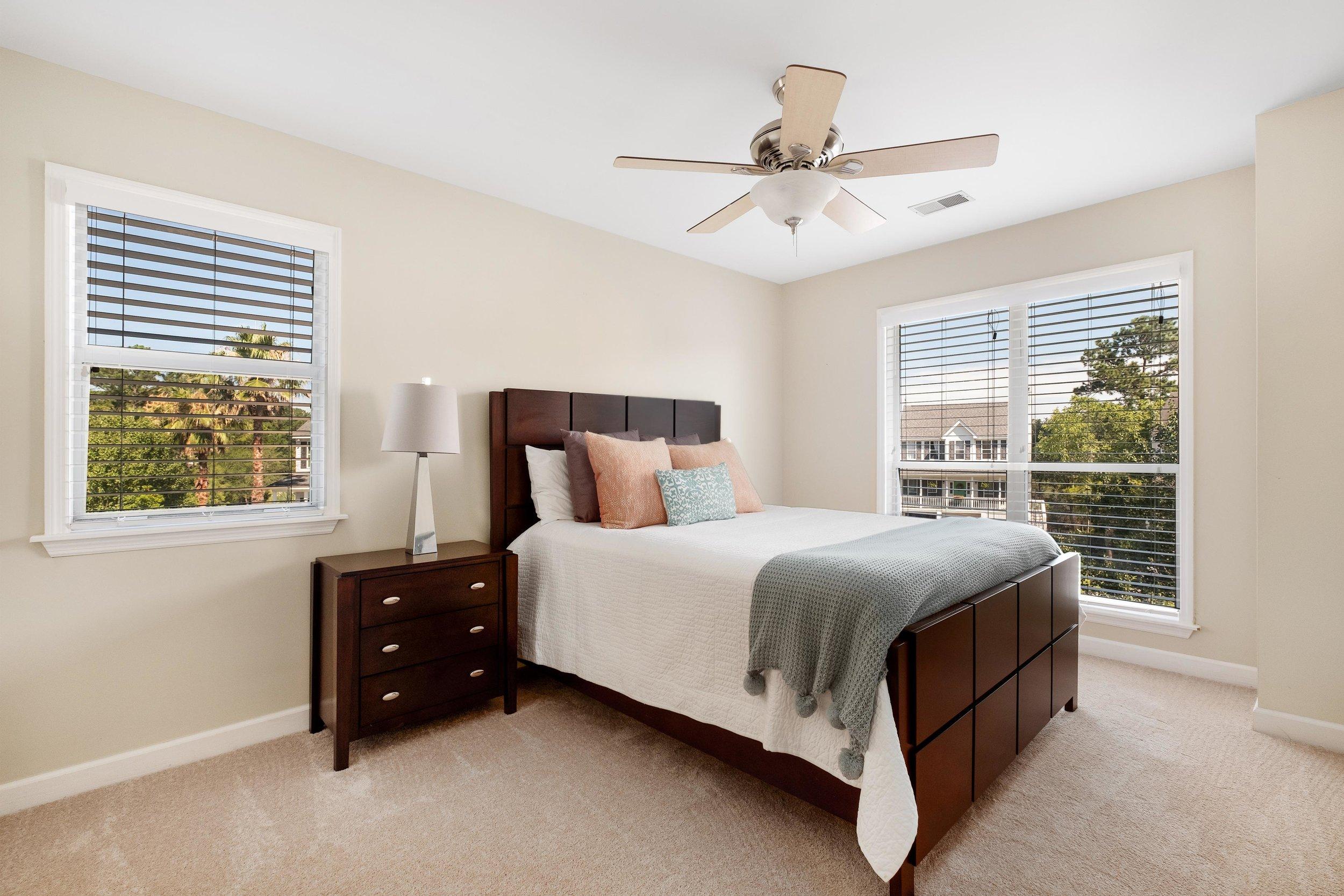 14. Guest Bedroom.jpg