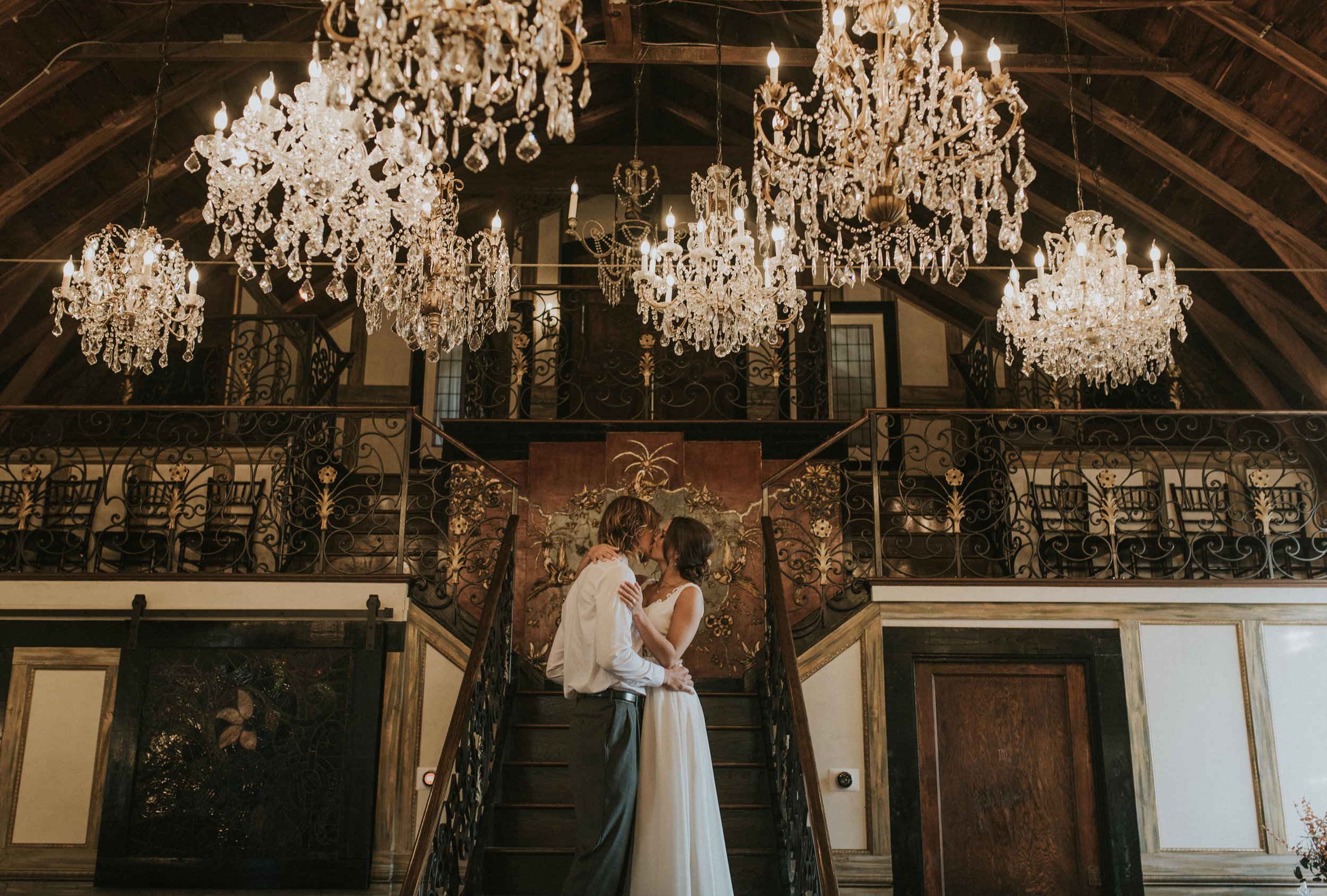 Vintage ceremony in the Chandelier Barn at Lionsgatevent Center