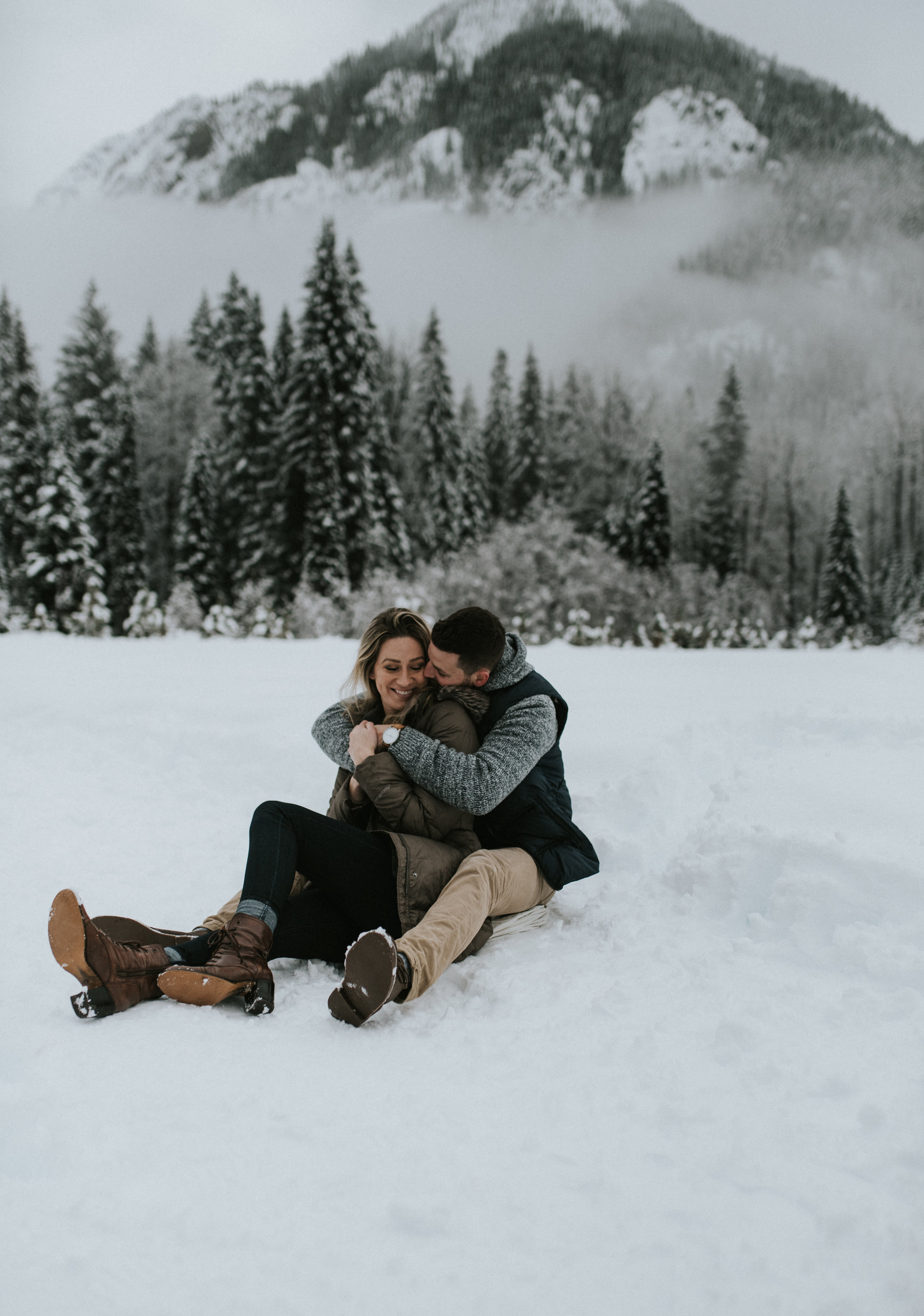 Winter snowy adventure engagement session in the North Cascade mountains.