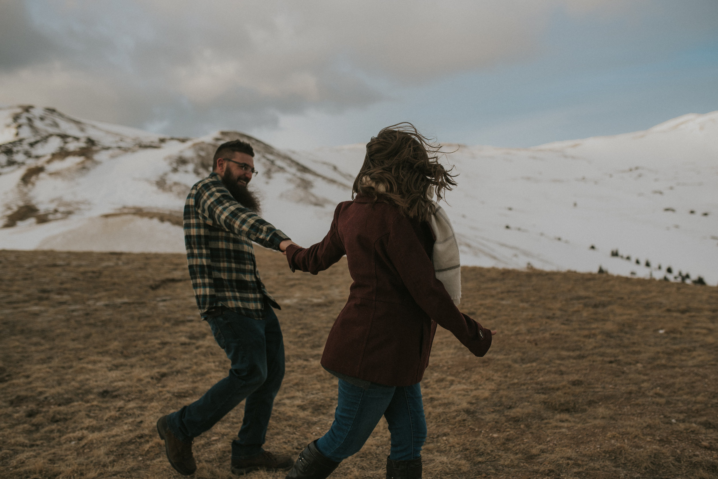 Adventure elopements & engagement sessions in Colorado.