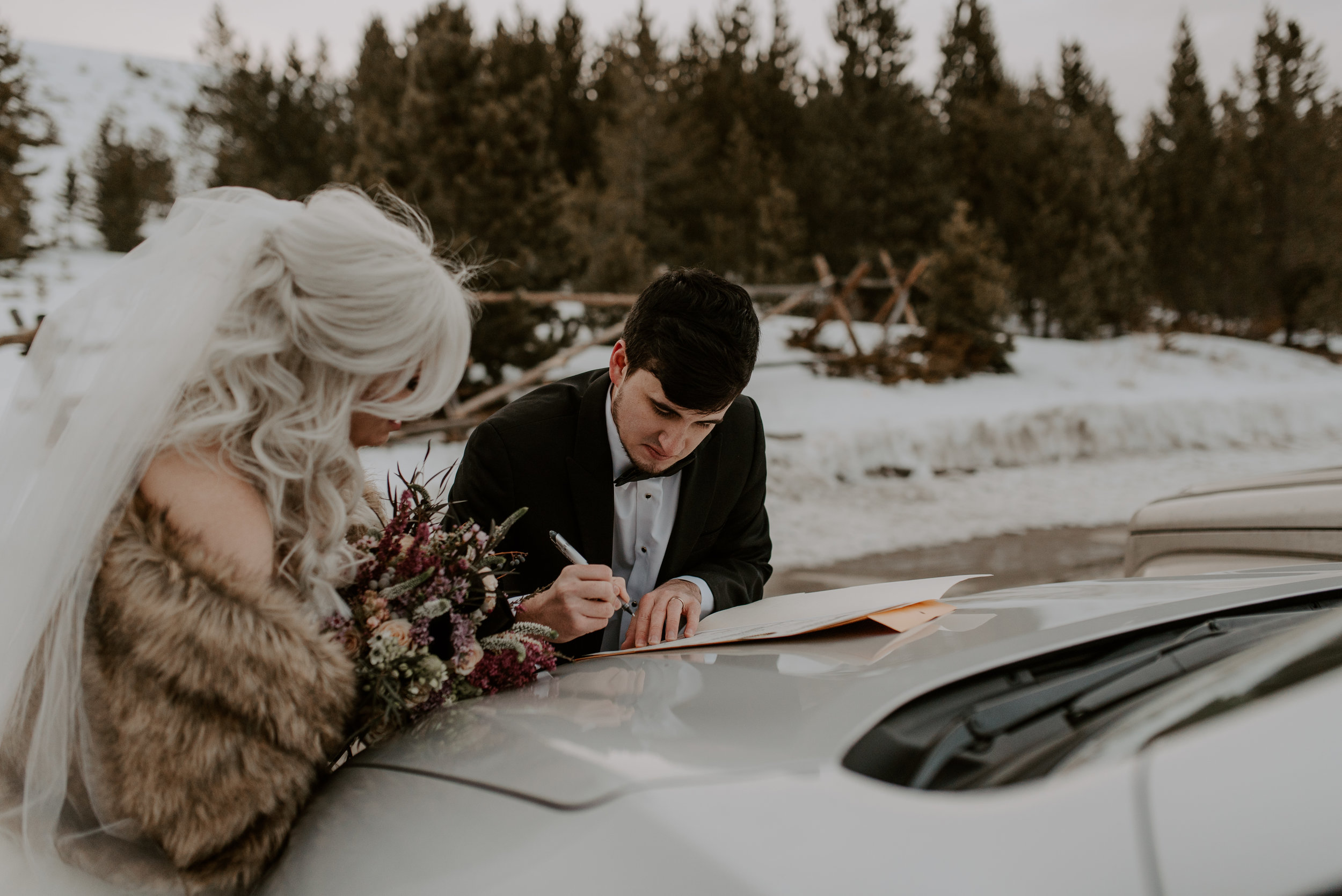 Colorado wedding photographer. Sapphire Point winter elopement. Adventure elopement photographer.