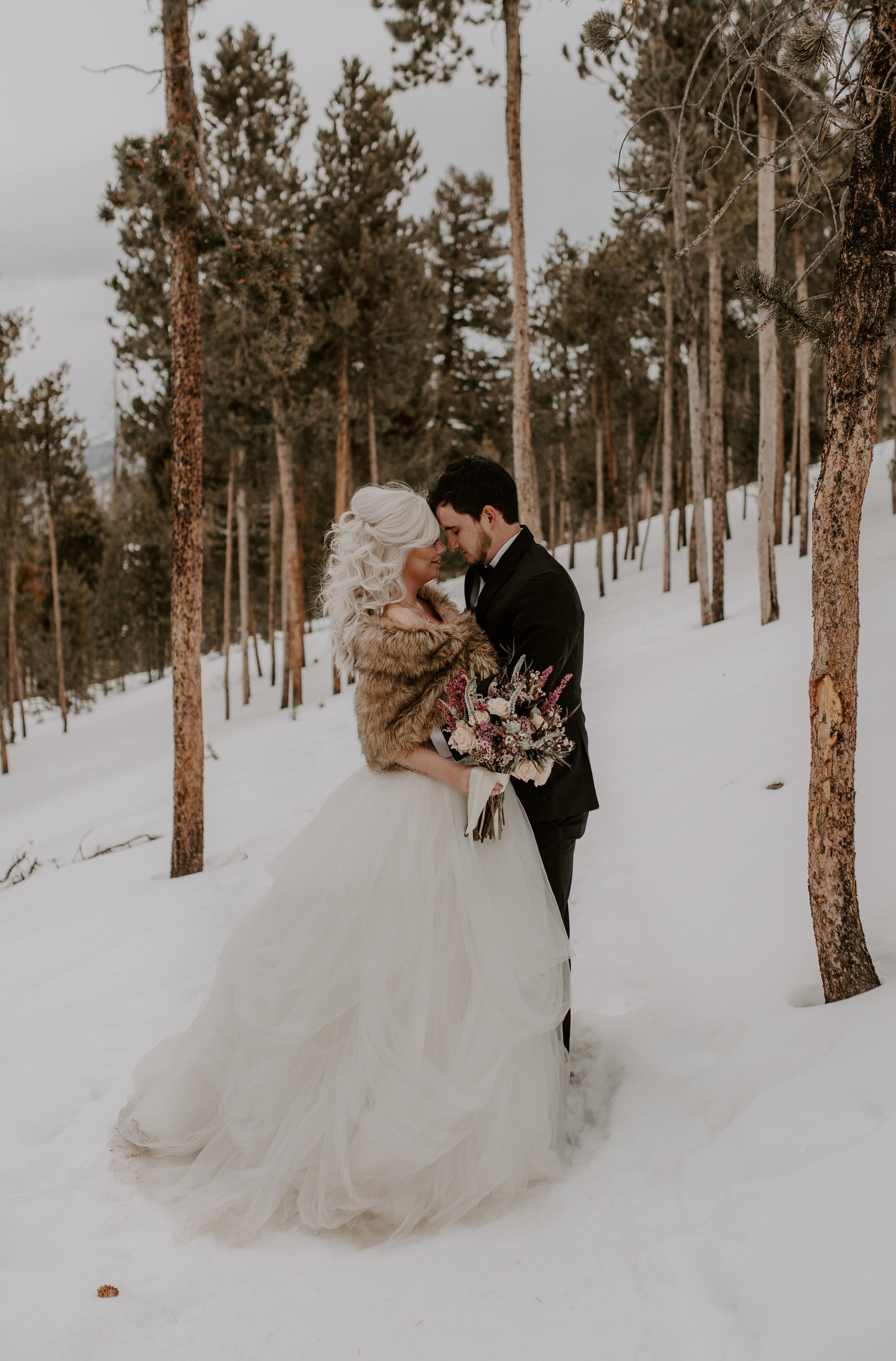 Winter mountain elopement in Colorado. Sapphire Point wedding photographer.