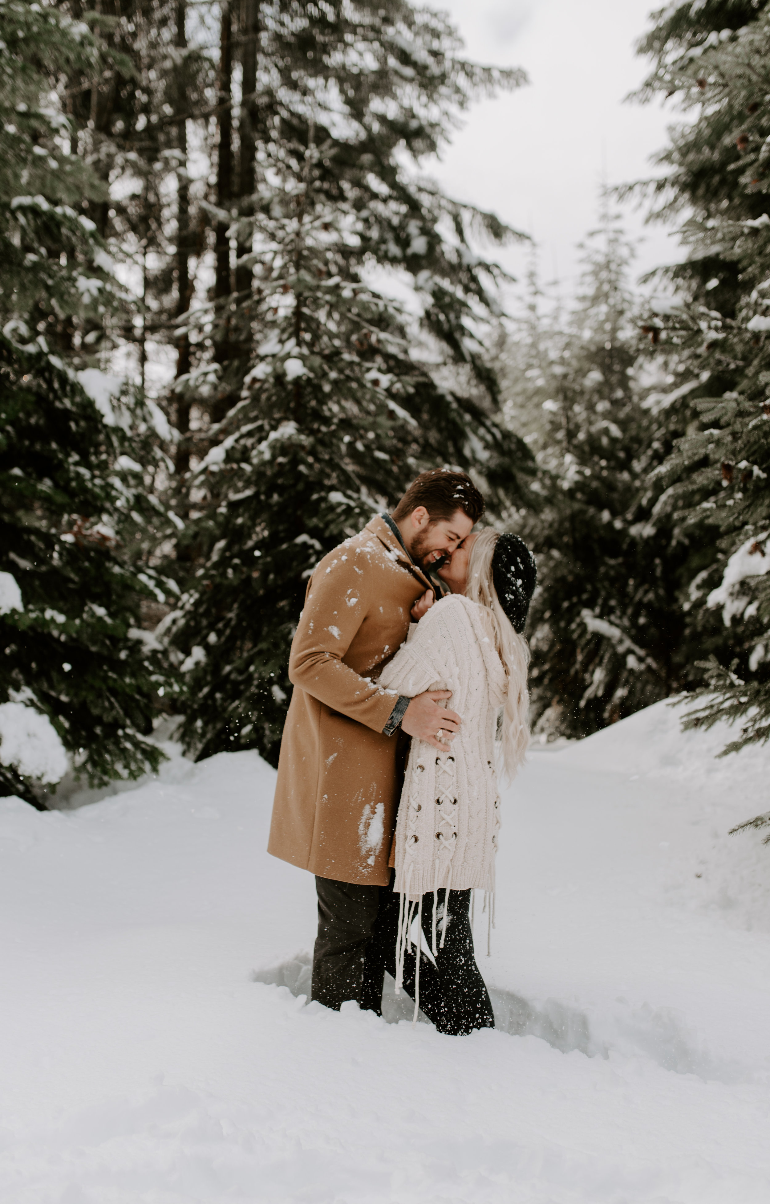 Washington elopement photographer for adventurous couples. Winter session in North Cascades National Park.