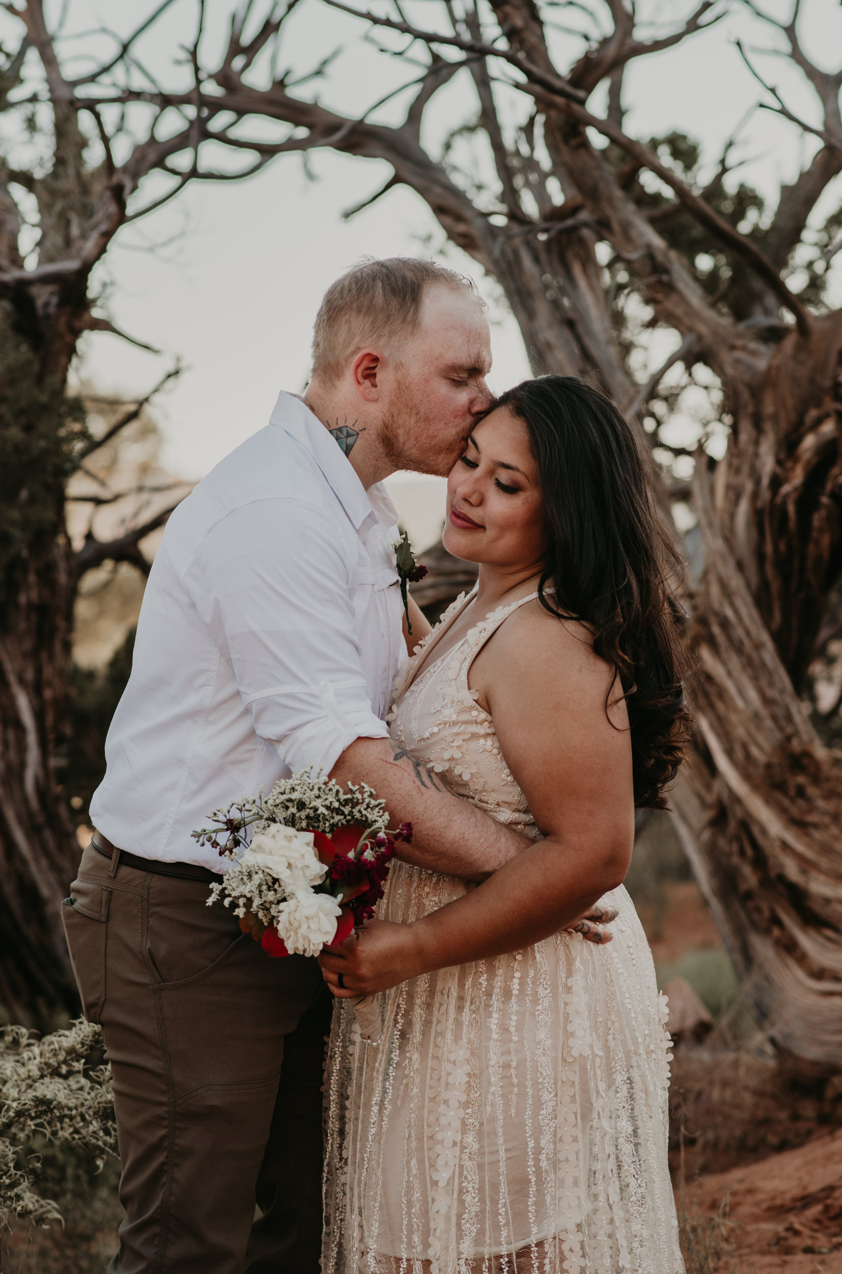 Arches National Park elopement. Delicate Arch wedding.