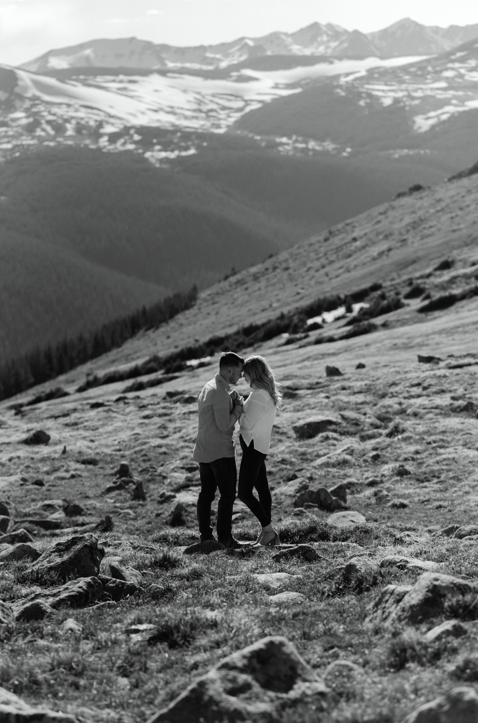 Engagement session at Trail Ridge Road in Rocky Mountain National Park