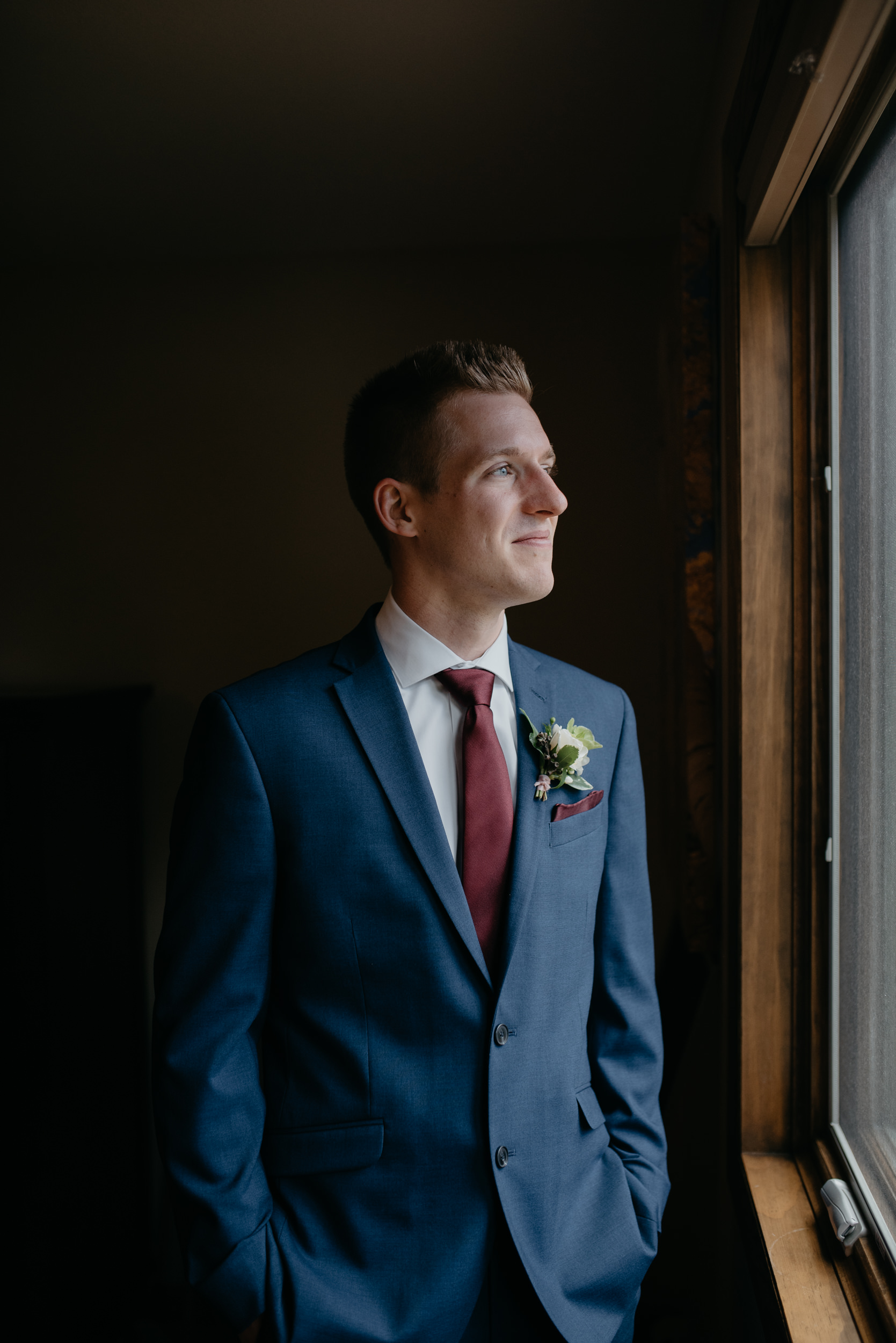 Photo of groom by Colorado wedding photographer
