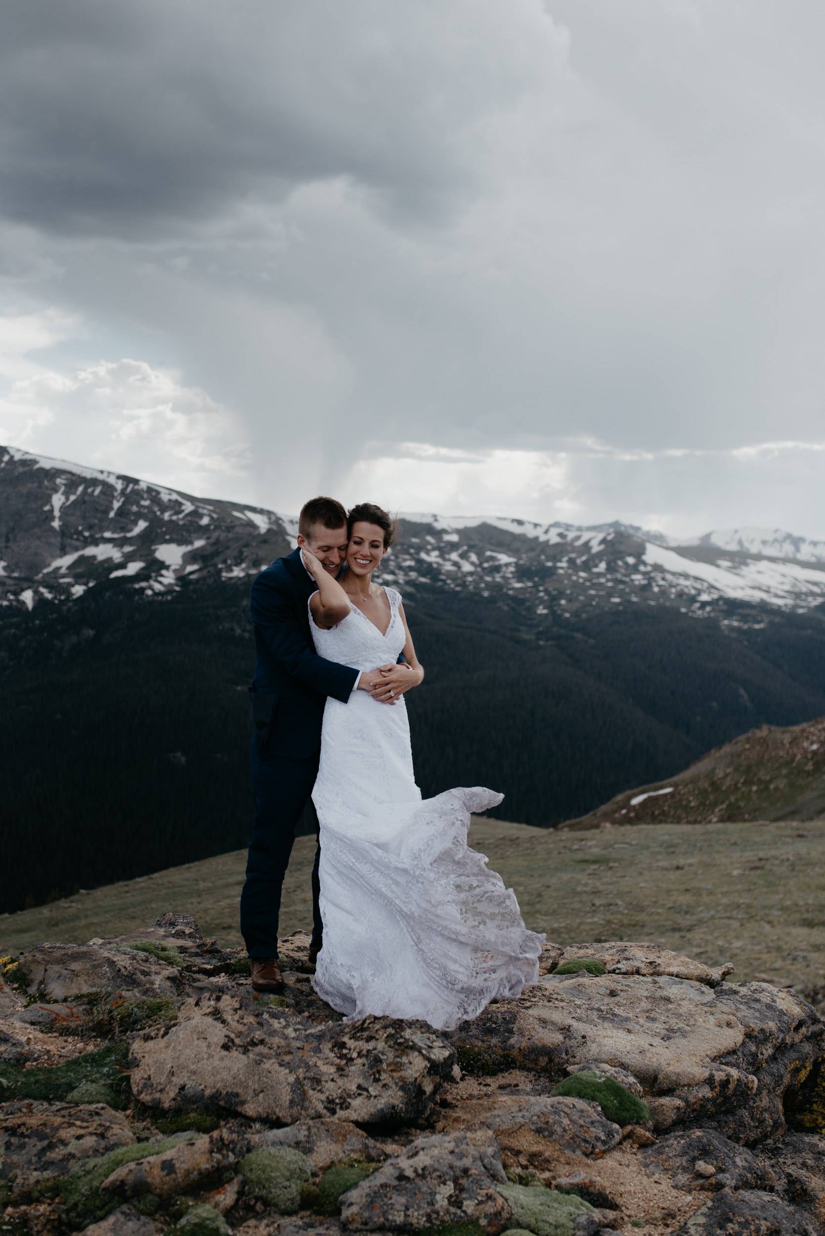Colorado elopement photography. Trail Ridge Road elopement. Rocky Mountain National Park wedding photographer.