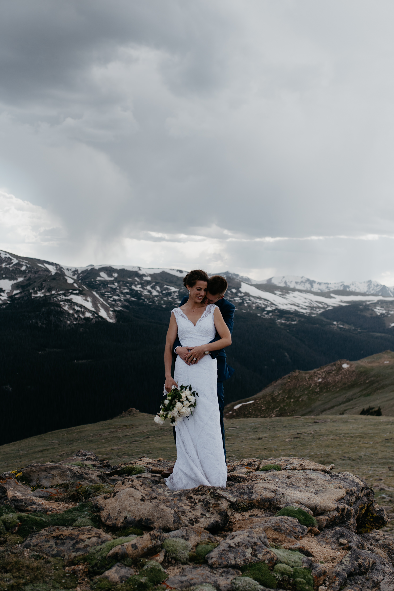 Colorado mountain wedding photographer. Rocky Mountain National Park elopement at Trail Ridge Road.