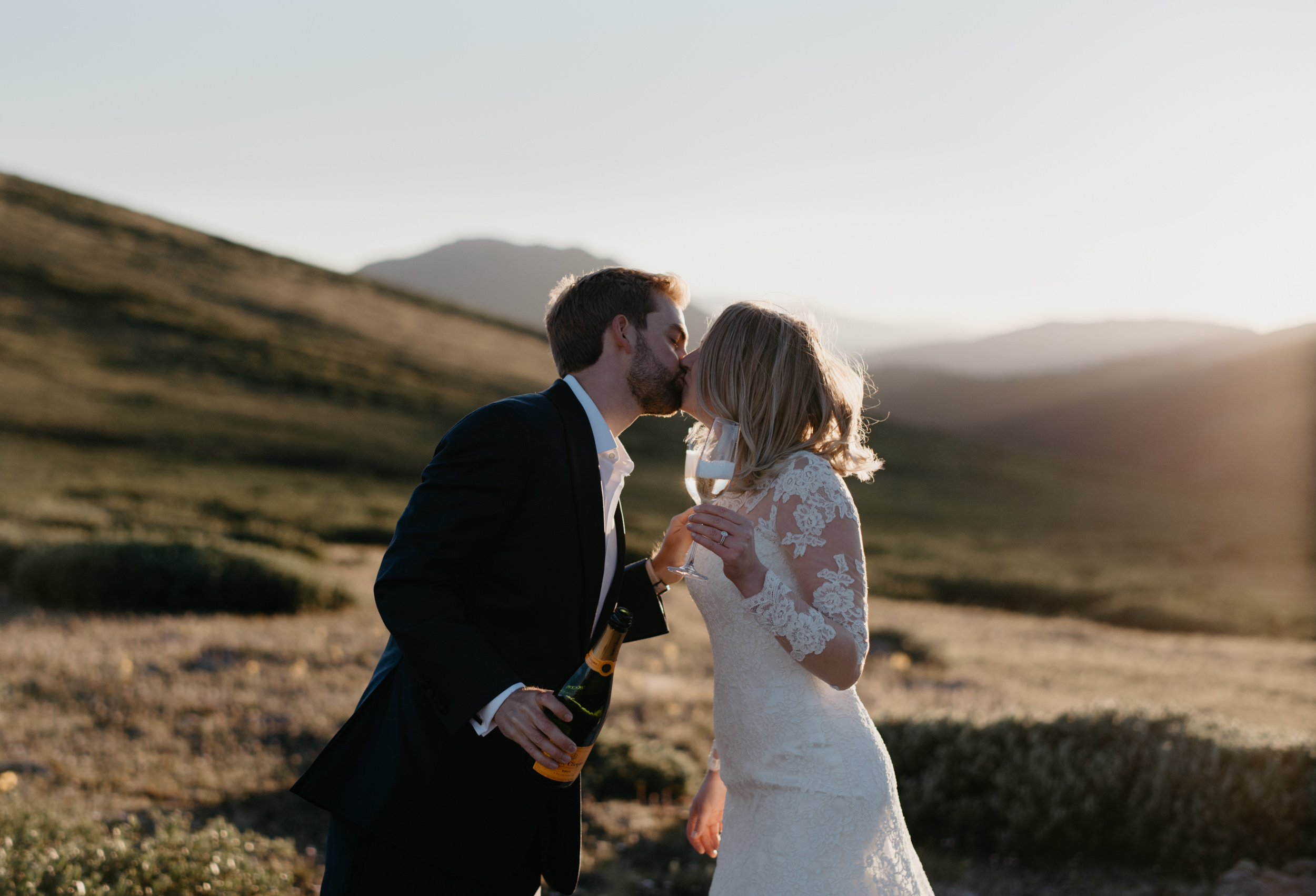 Elopement in Aspen, Colorado at Independence Pass. Colorado wedding and elopement photographer.