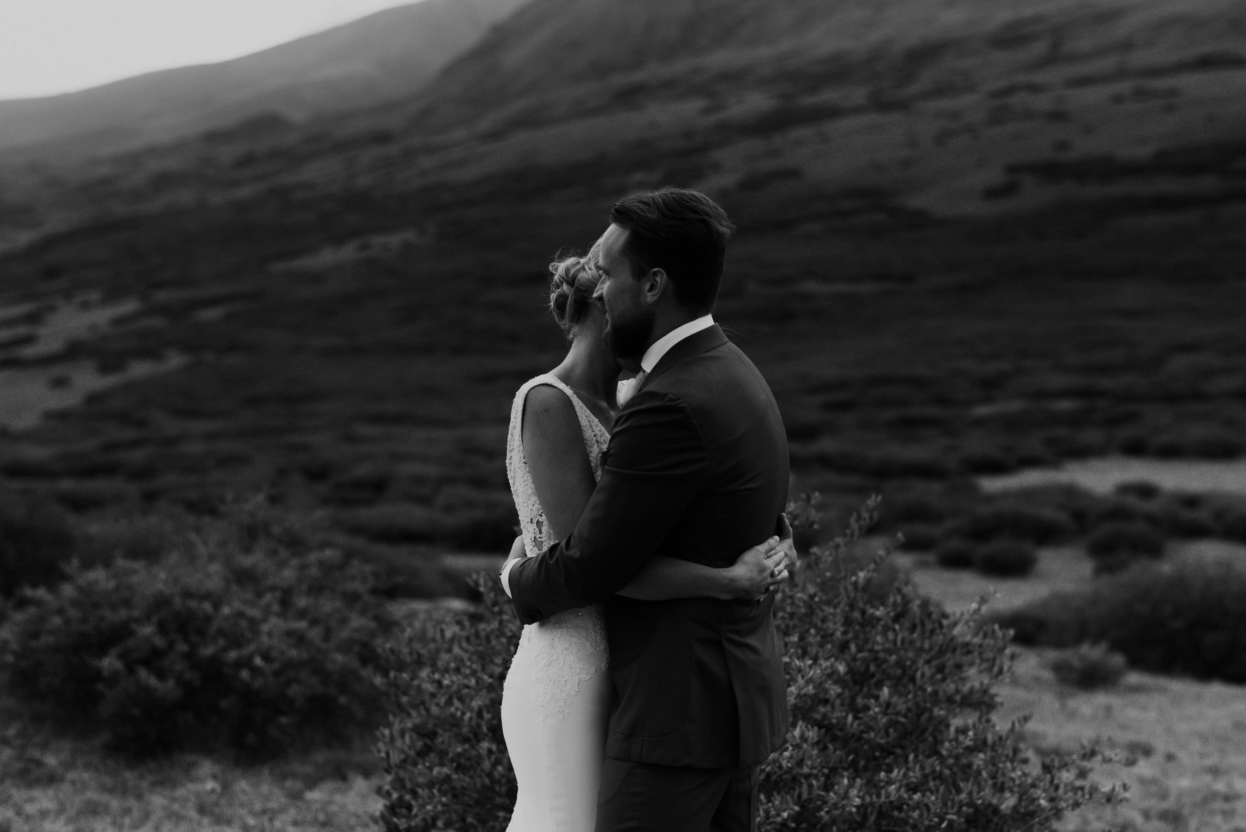 Classic black & white photo of bride and groom