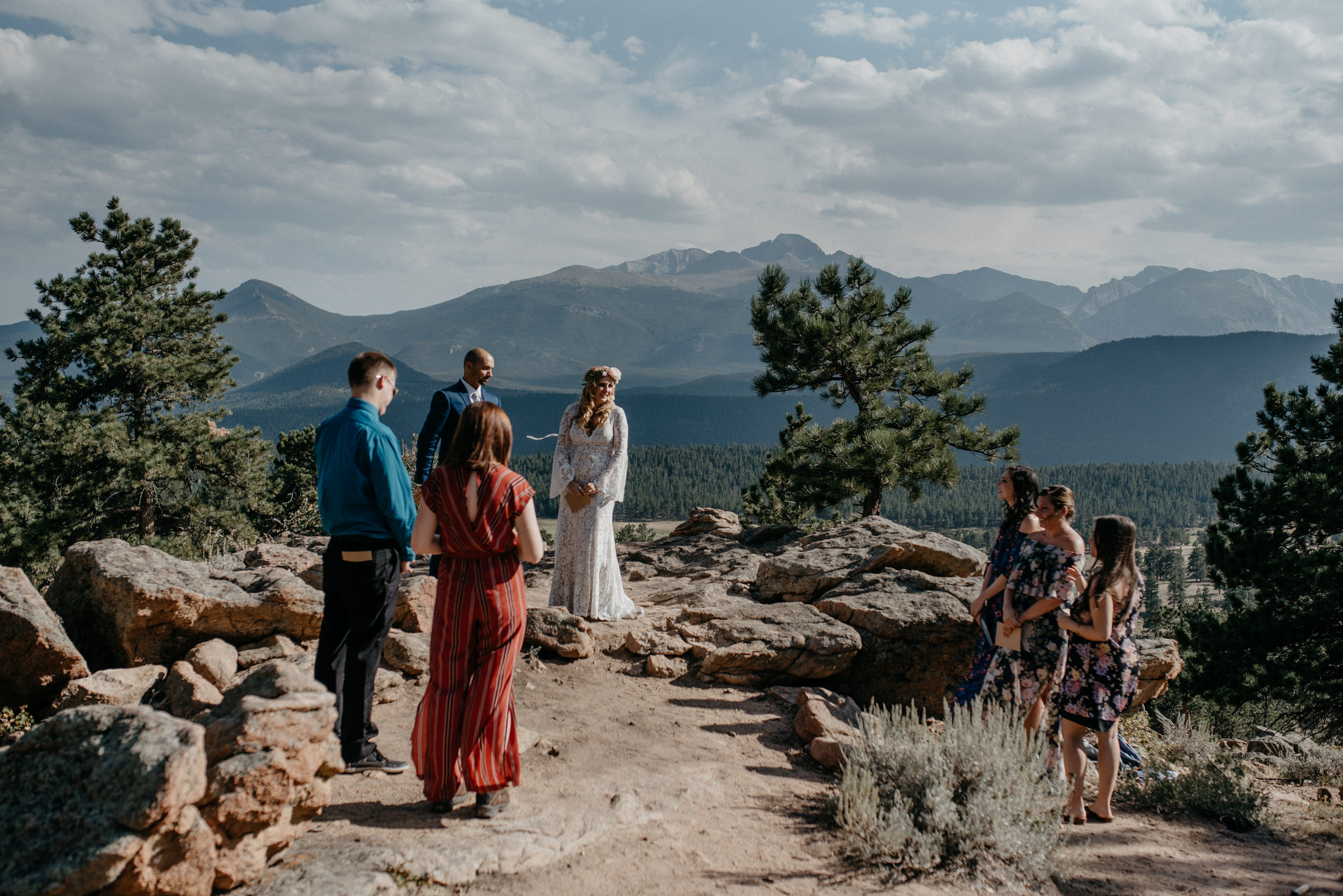Colorado intimate wedding and elopement photographer. Estes Park elopement at 3M curve.