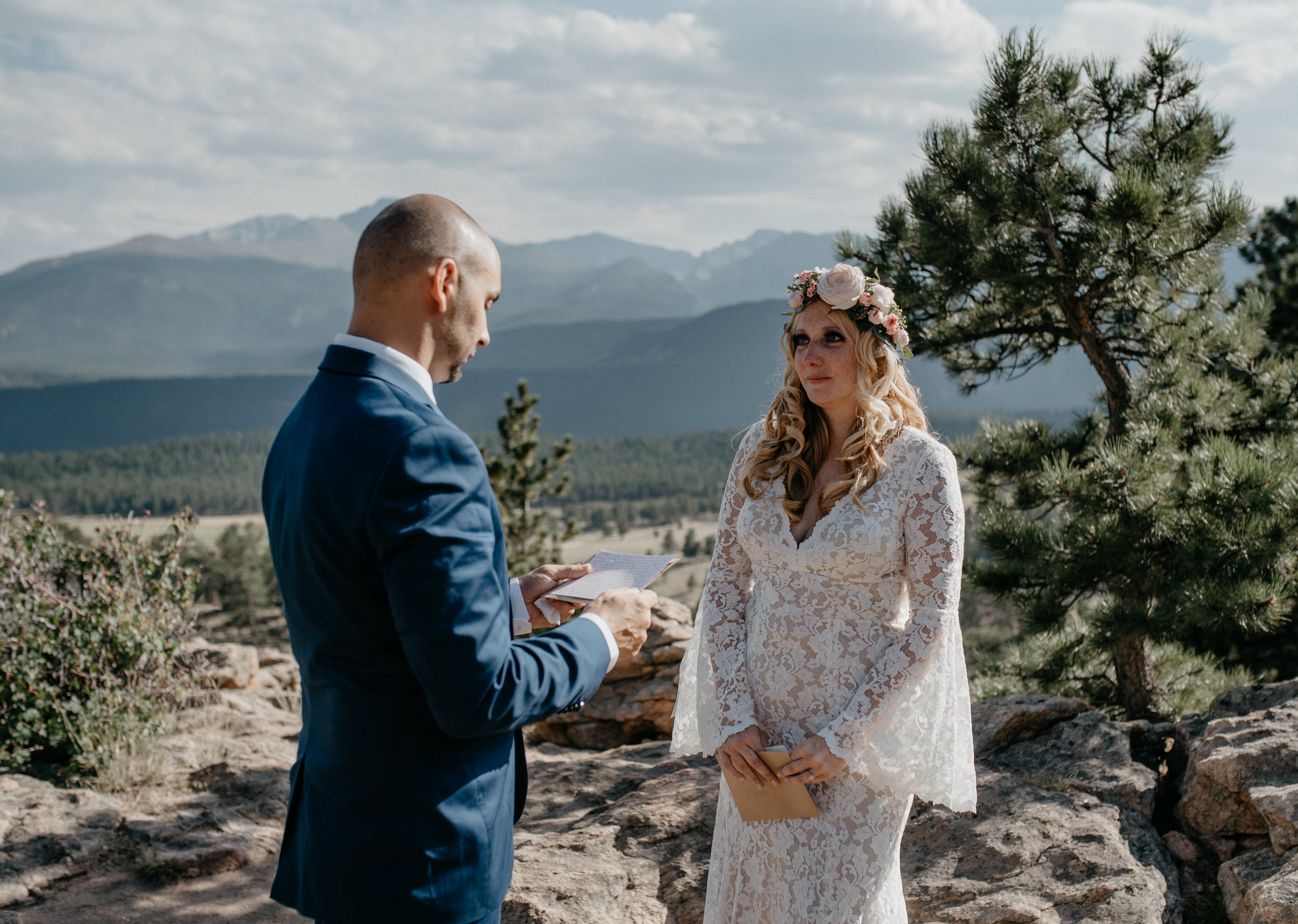 Bride and groom exchanging vows. 3M curve elopement.