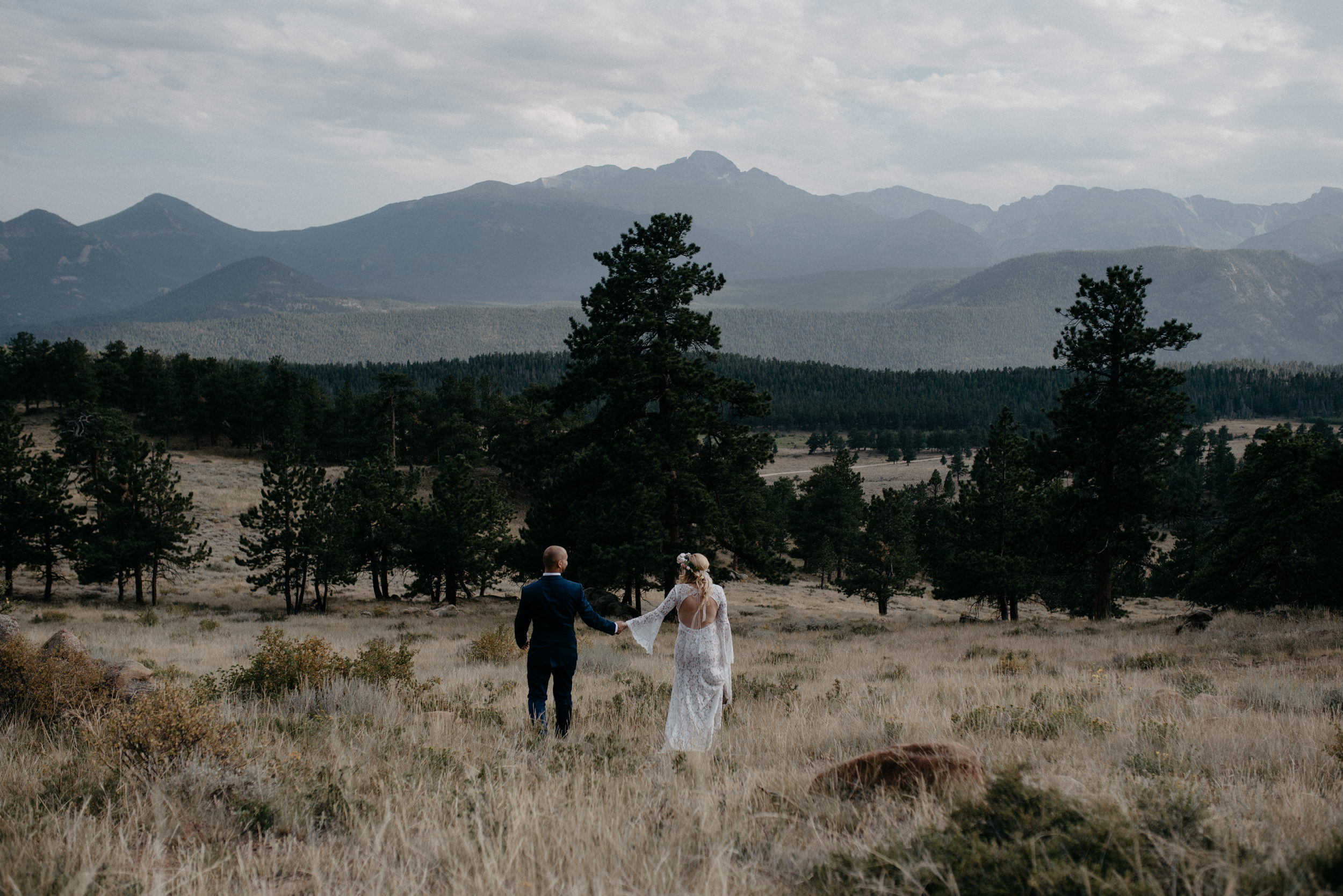 3m Curve elopement in Rocky Mountain National Park. Couples portraits by Alyssa Reinhold.