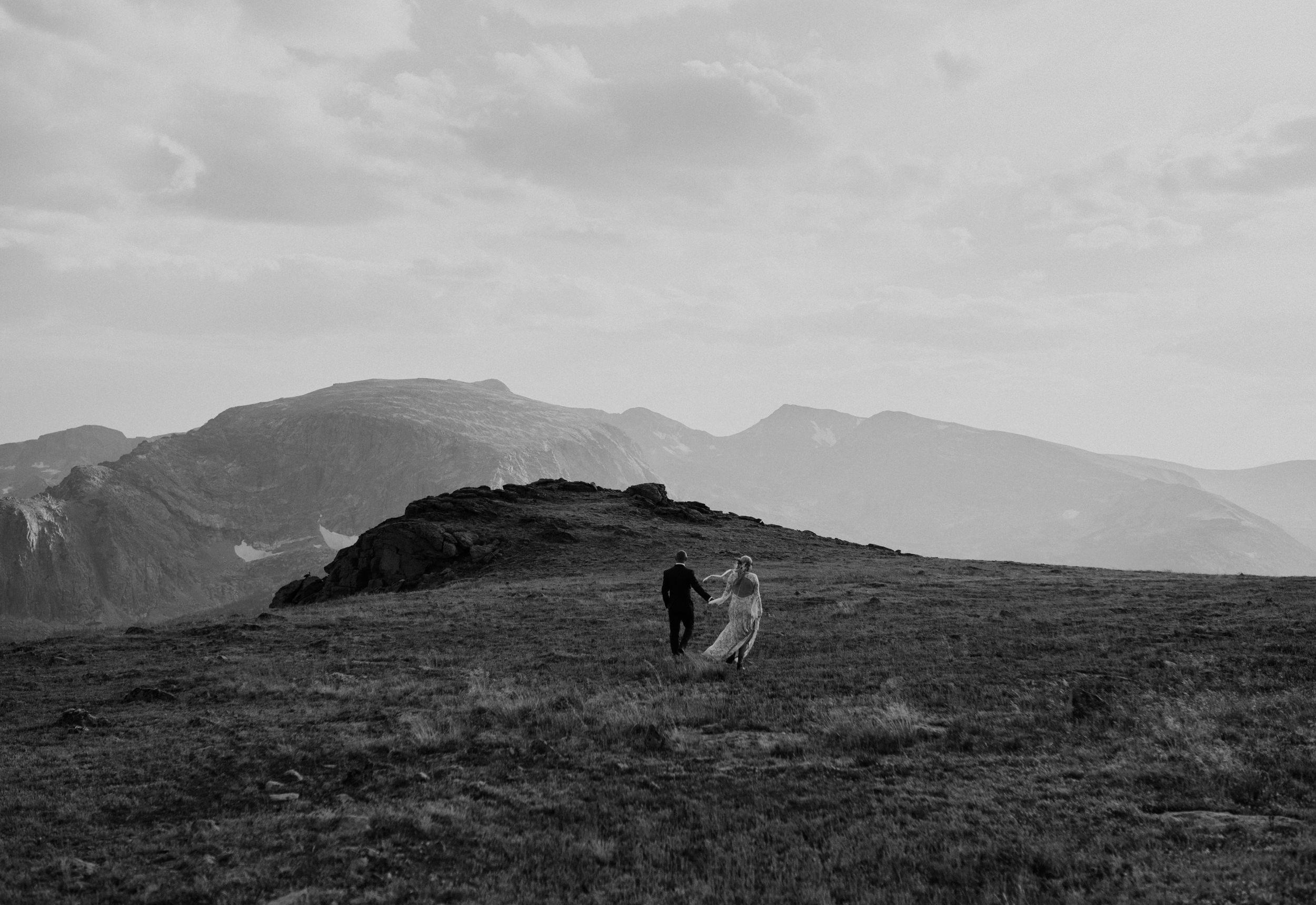 Colorado mountaintop elopement in Rocky Mountain National Park.
