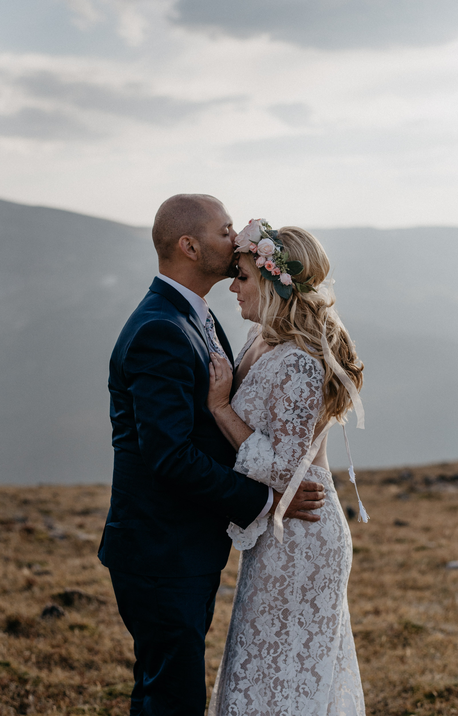 Trail Ridge Road elopement in Rocky Mountain National Park. Colorado elopement and wedding photographer.