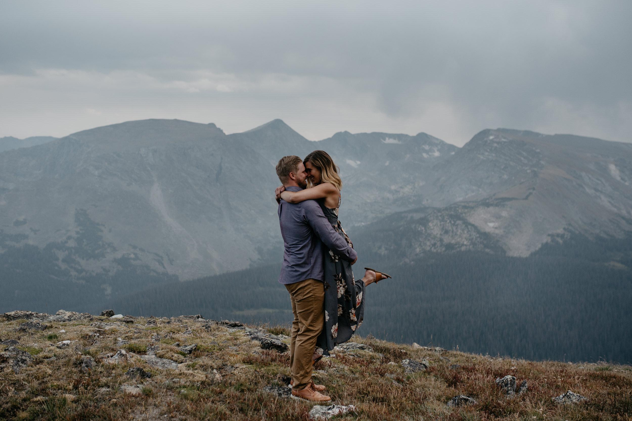 Alyssa Reinhold, Colorado wedding photographer. Mountaintop elopement photos in Colorado.