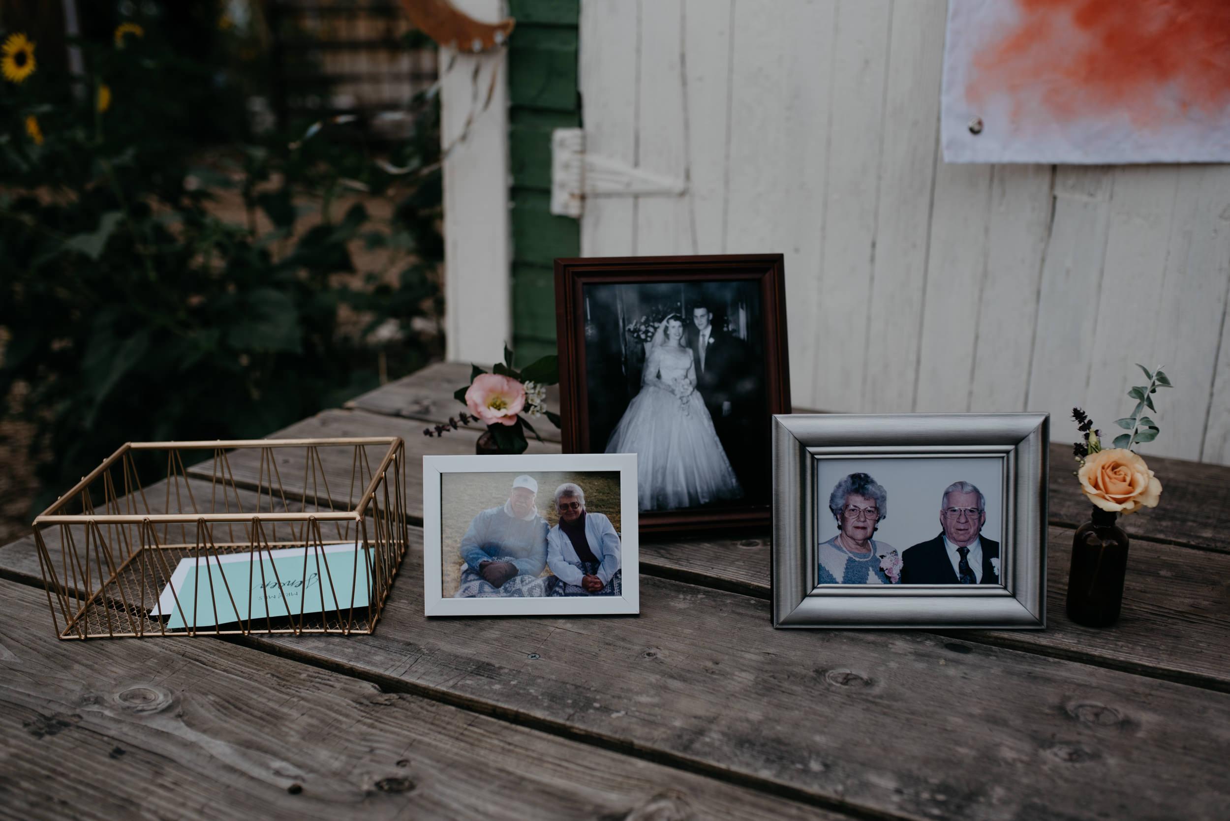 Wedding decor inspiration. Colorado wedding and elopement photographer. Memorial table at wedding.