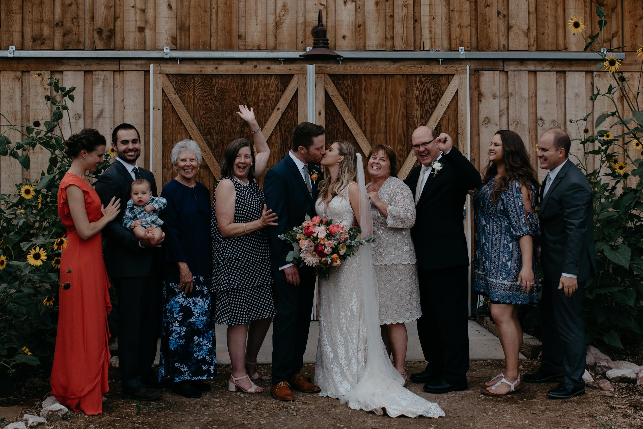 Family photo inspiration. Boulder, Colorado wedding at Three Leaf Farm. Colorado wedding and elopement photographer.