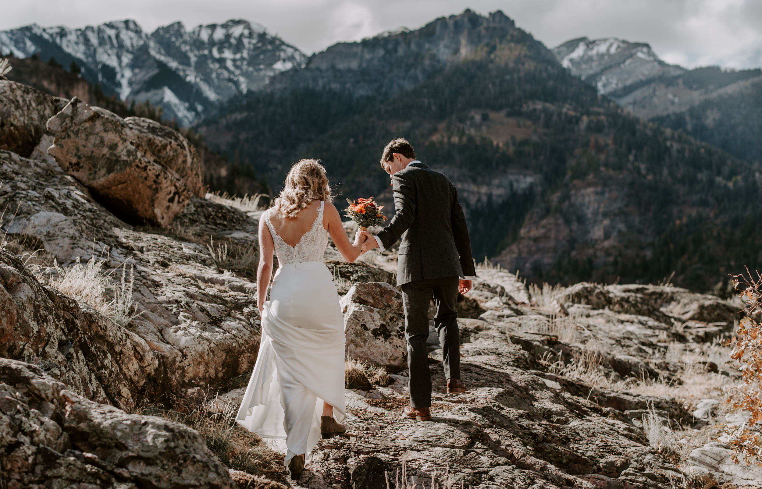 Ouray, Colorado hiking elopement. Colorado mountain wedding photographer.