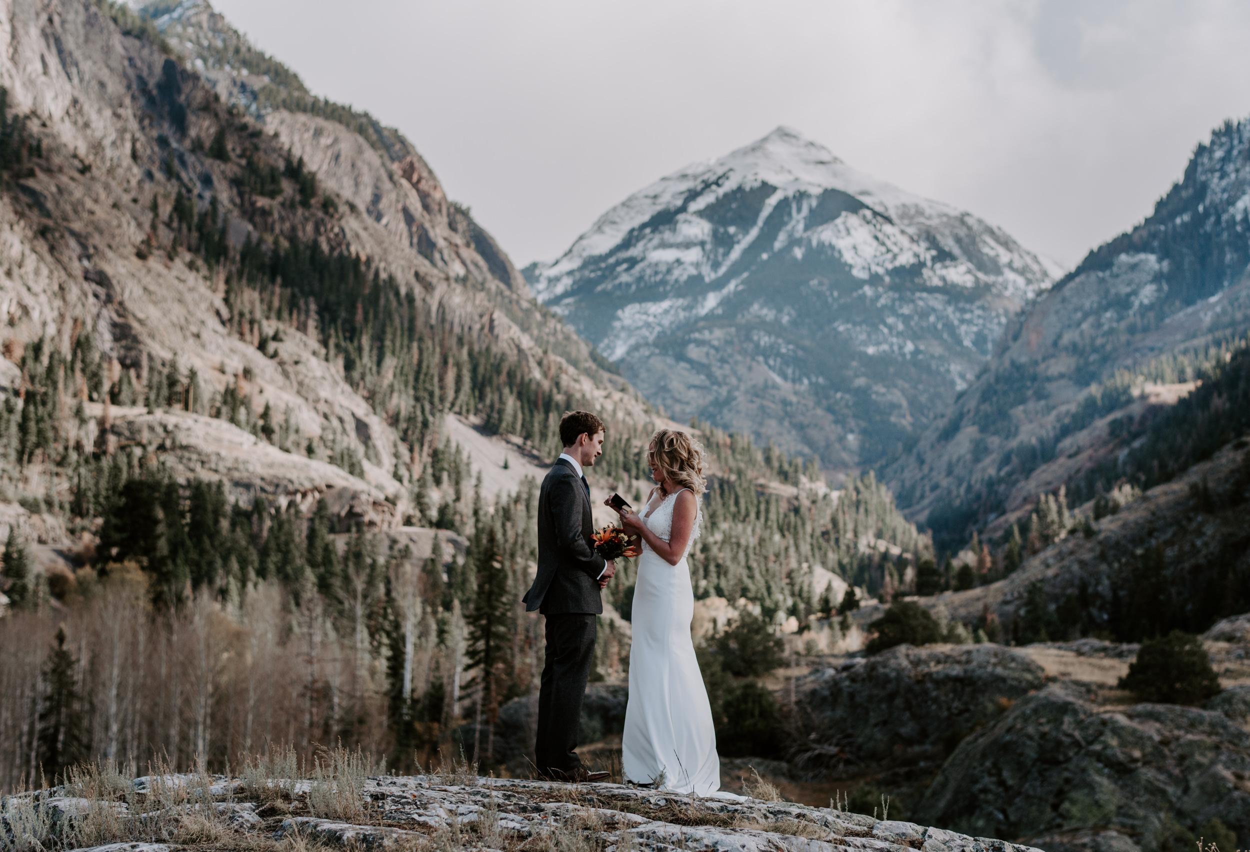 Elopement ceremony in Colorado. Colorado elopement photographer. Ouray intimate wedding.