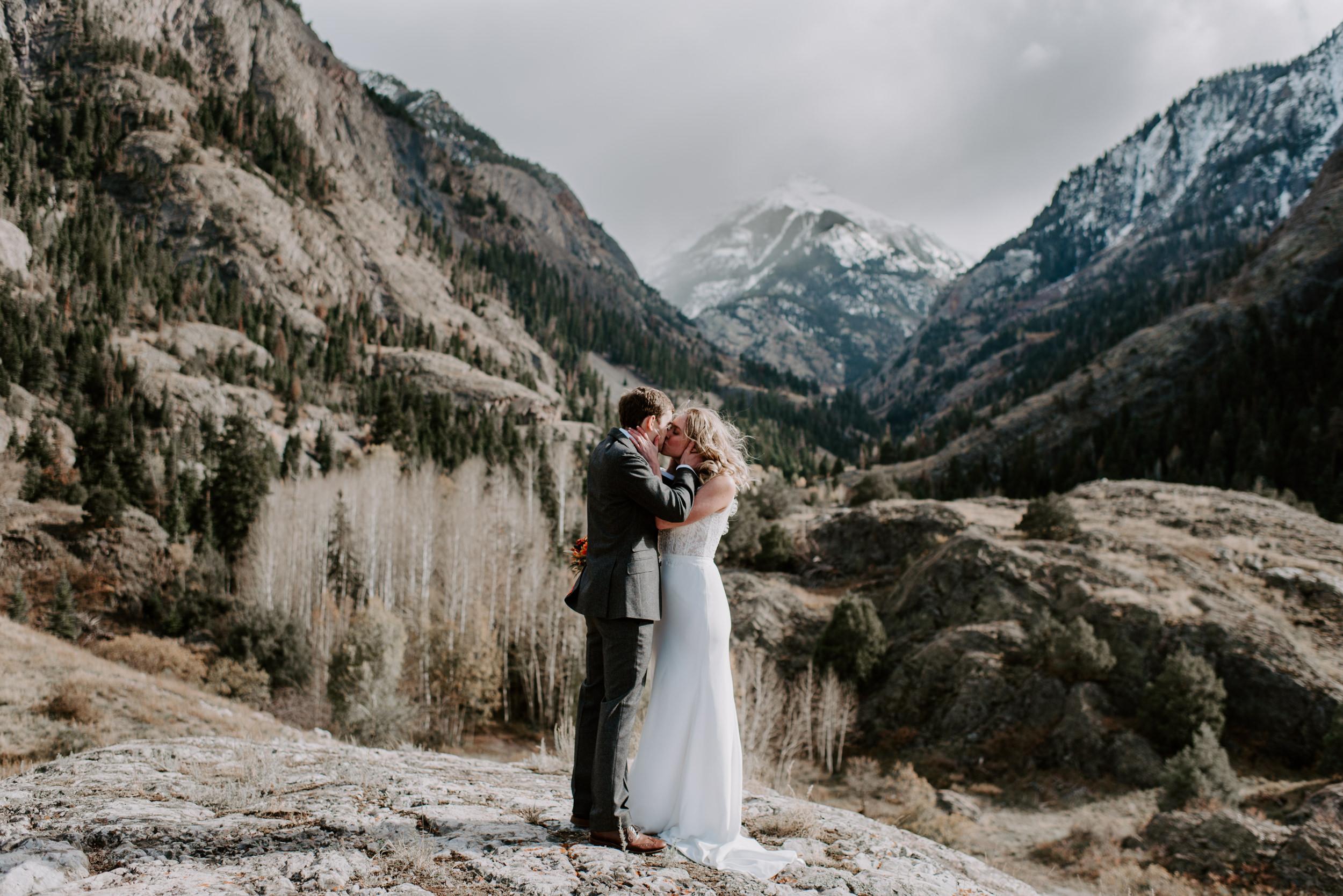 First kiss, Ouray, Colorado elopement. Colorado mountain elopement photographer. Ouray, Colorado adventure elopement. Million Dollar Highway elopement.