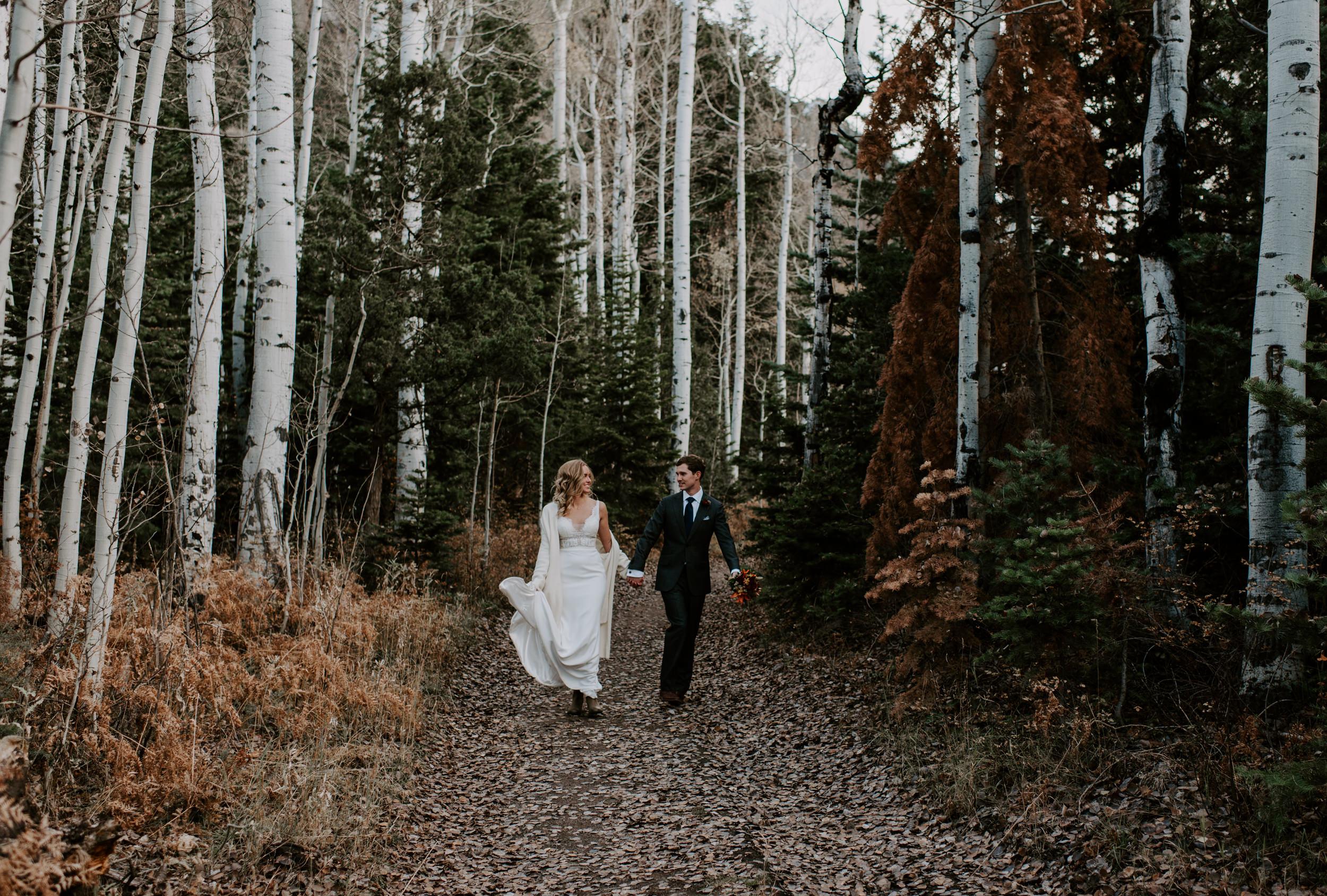 Fall Colorado elopement in Ouray, Colorado. Colorado mountain elopement photographer, Alyssa Reinhold.