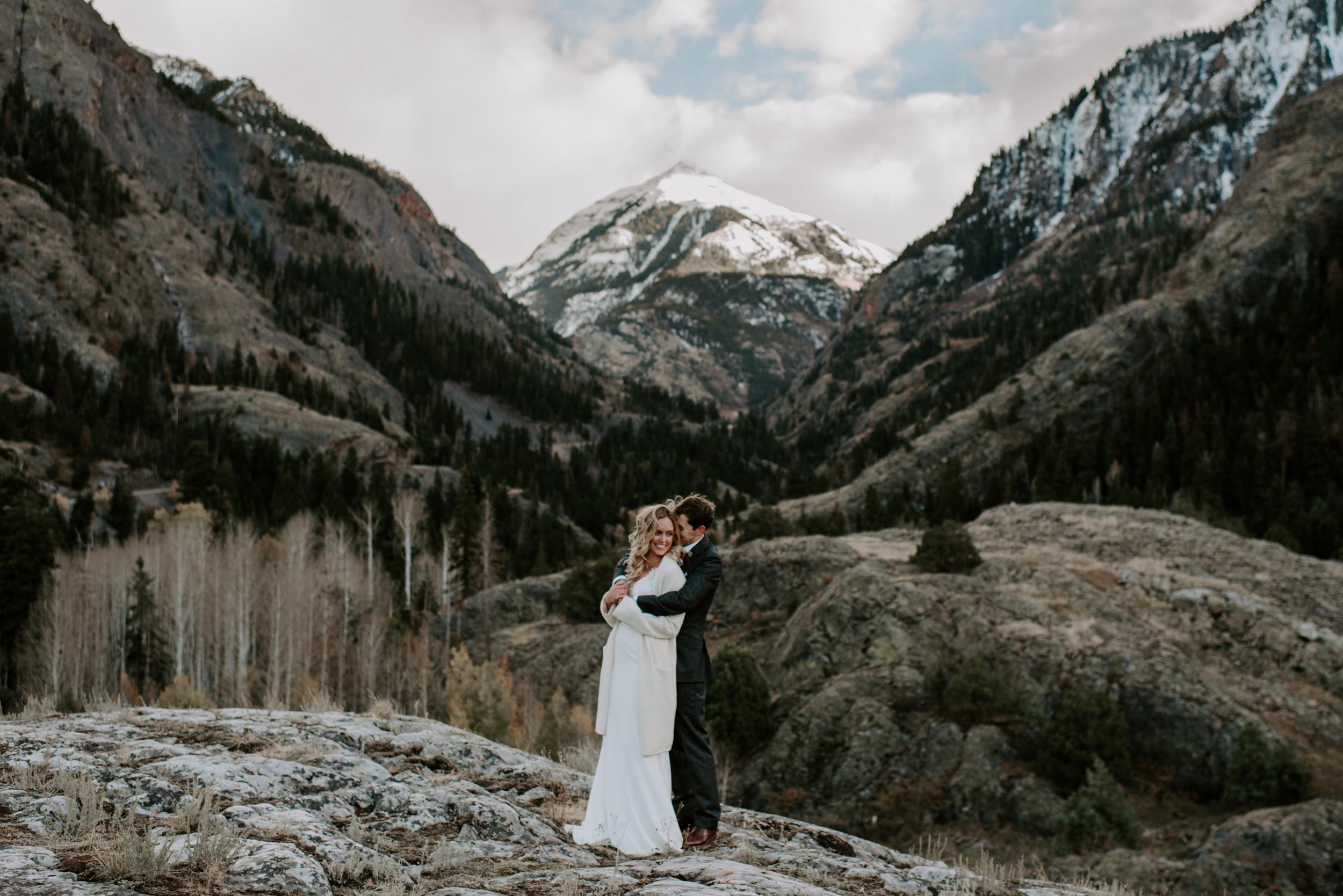 Ouray, Colorado elopement photos at sunset. Colorado wedding photographer. Denver adventure elopement.