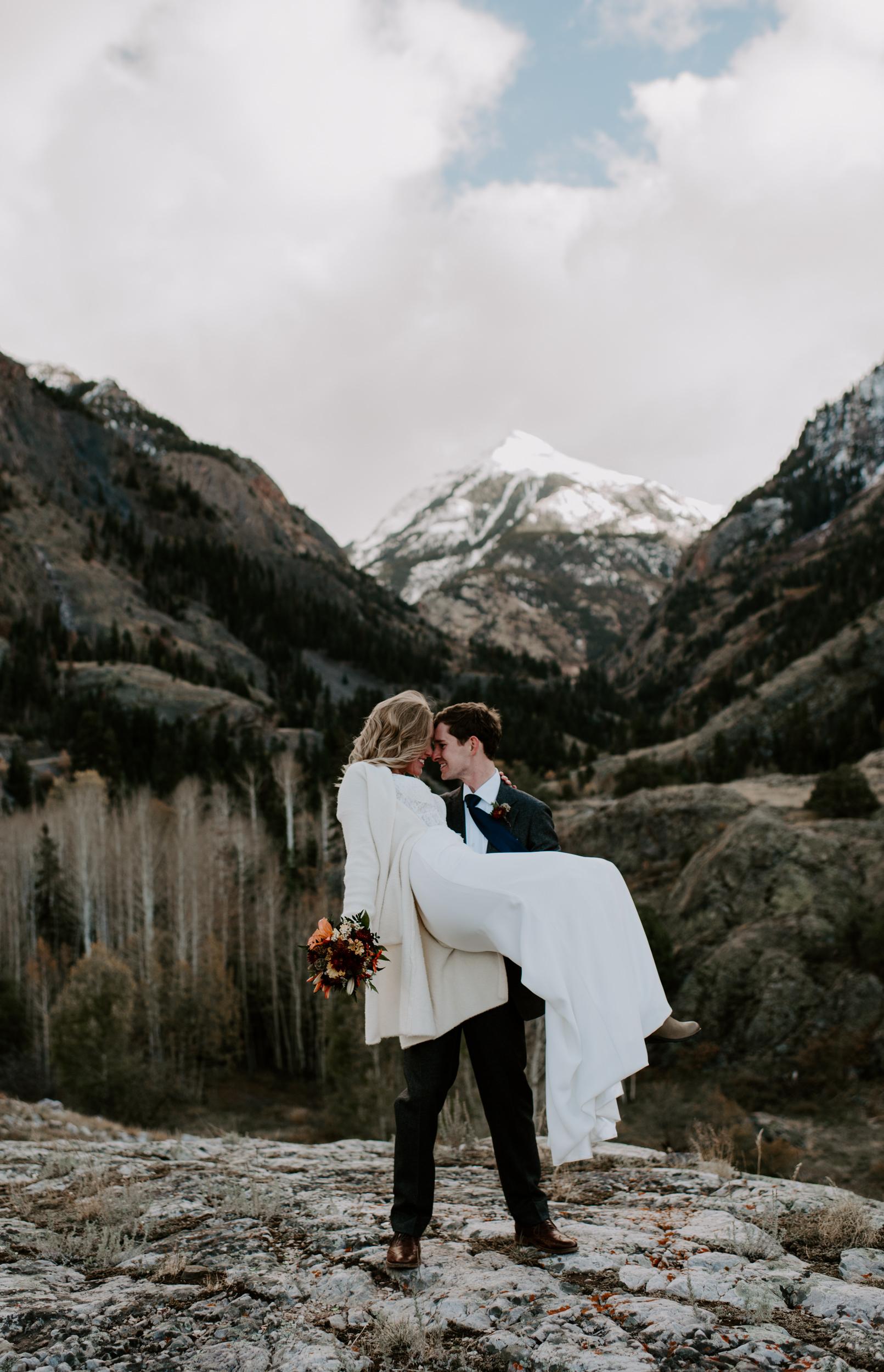 Colorado elopement photographer. Denver based wedding photographer. Colorado mountain wedding photos in Ouray, Colorado.