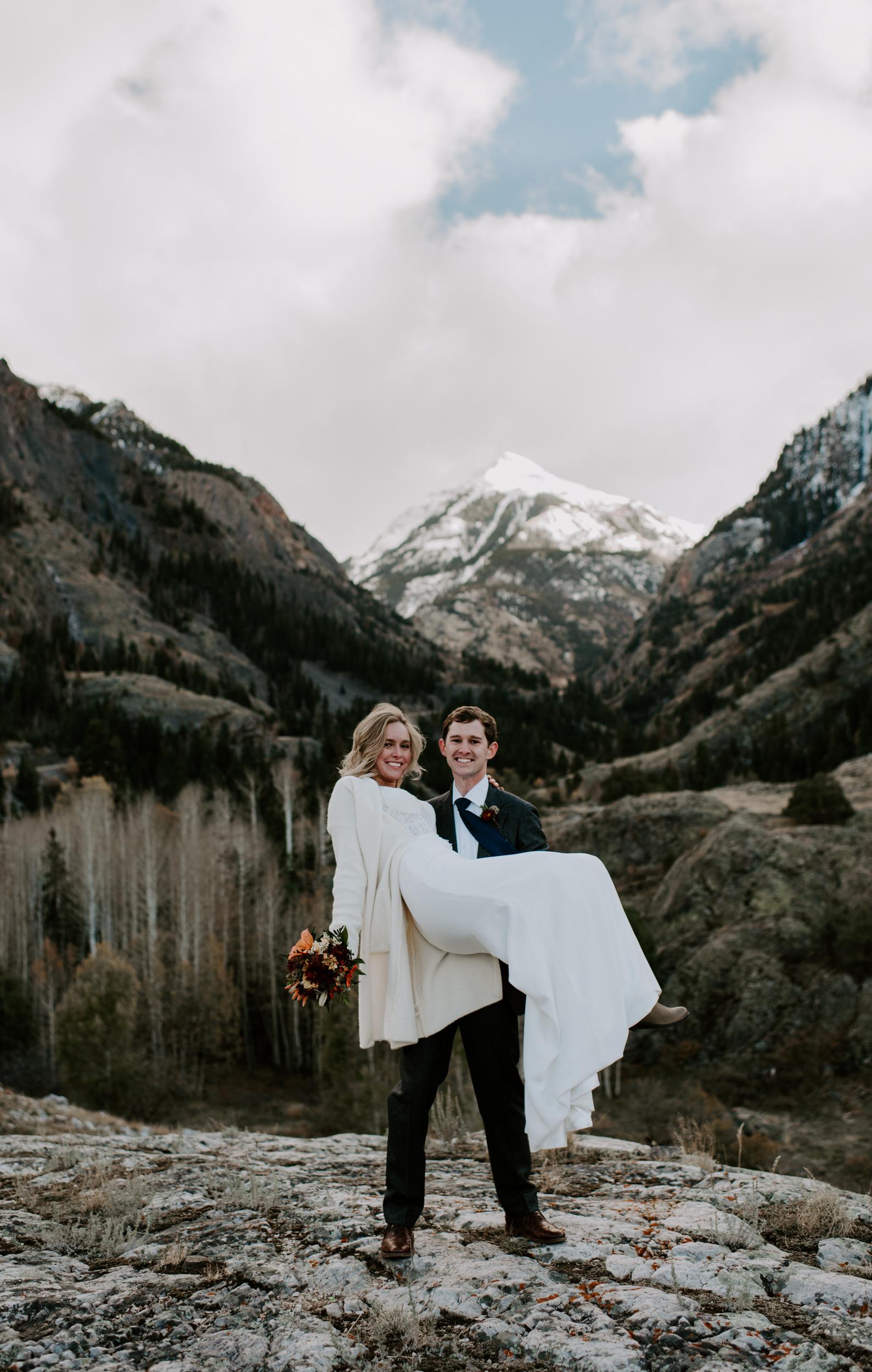 Colorado elopement photography. Denver wedding photographer. Colorado adventure elopement photos.