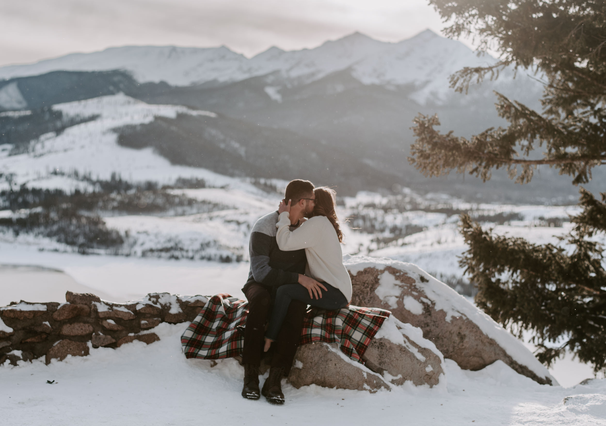 Sapphire Point Overlook engagement session photography. Lake Dillon mountain engagement photos.