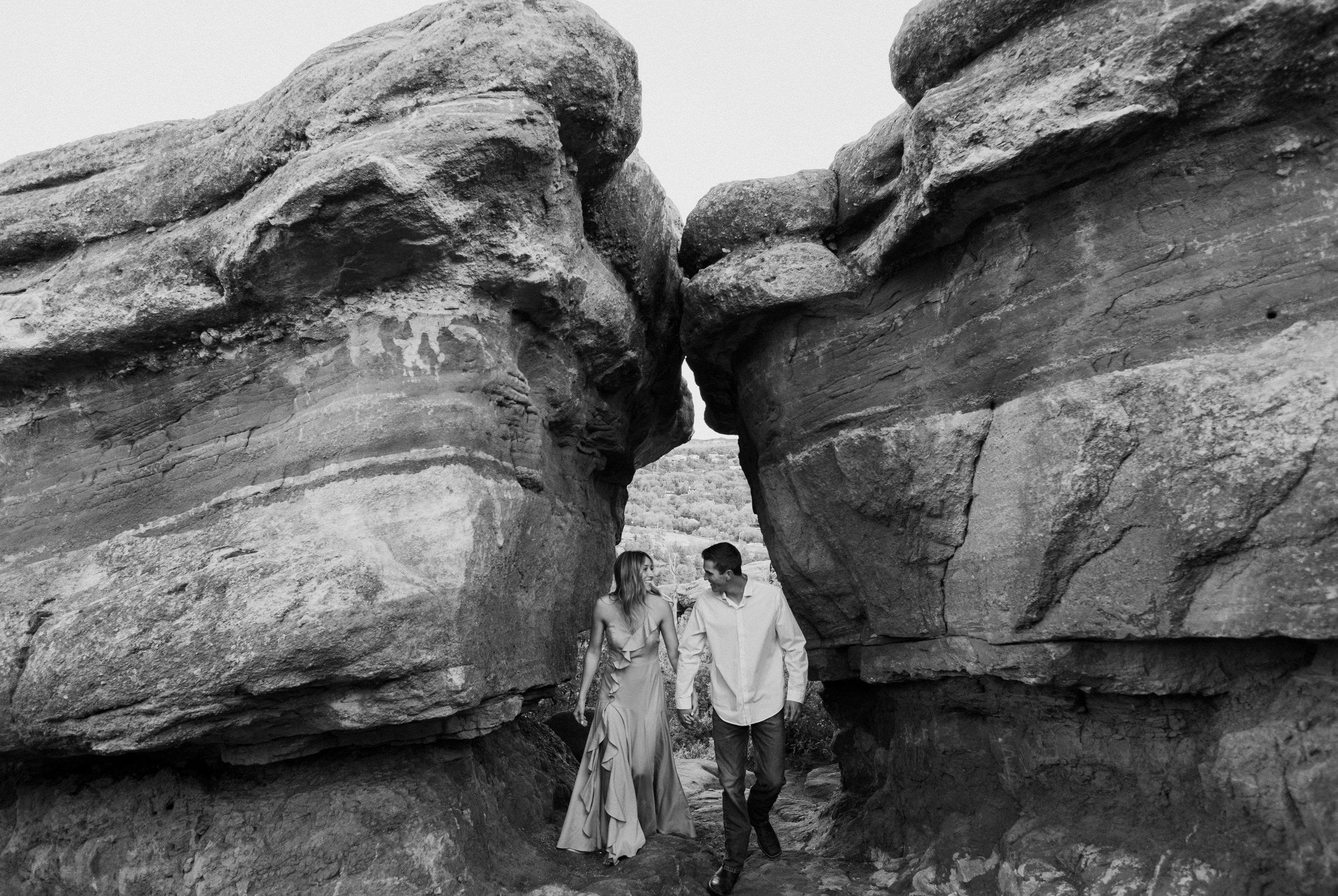 Colorado wedding photographer. Garden of the Gods engagement session photos. Colorado Springs elopement and wedding photography.