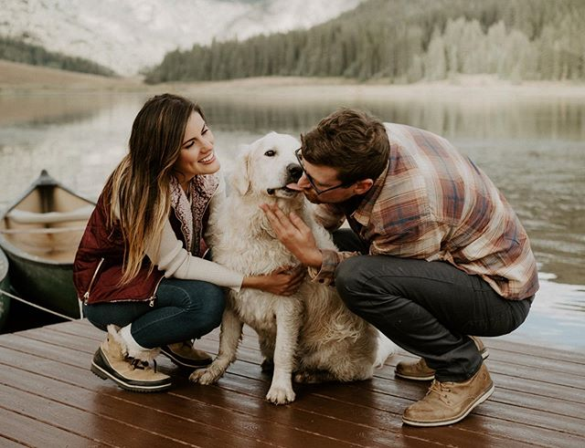 Fall engagement sessions in the mountains with pups - is there really a better combo?? 🥰🐶🍁🍂• • • • • • • • • • • • • • • #coloradowedding #coloradoweddingphotographer #coloradoelopementphotographer #fallengagementphotos #fallengagementsession #fallwedding #coloradoweddingvenue #pineylake #pineyriverranch #coloradoelopement #engaged #shesaidyes