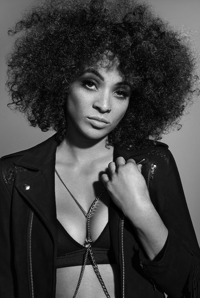 Kandace Springs - Kandace Springs is a 27-year-old Nashville-based singer, songwriter and pianist counts such stylists as Billie Holiday, Ella Fitzgerald and Nina Simone.We worked with Kandace styling her for her two latest music videos alongside Capitol Records 'People make the world go round'.